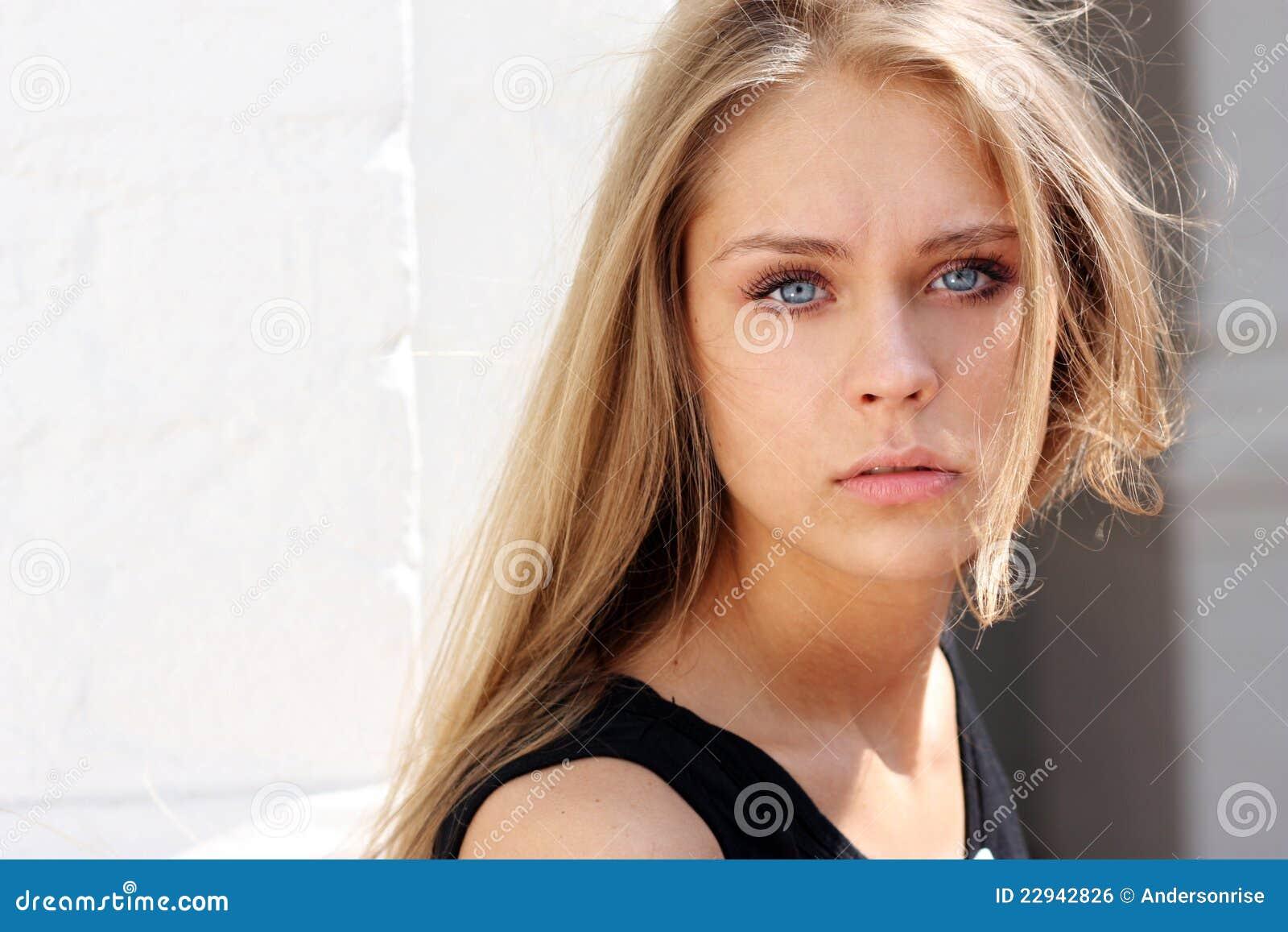 Beautiful young woman - blue eyes