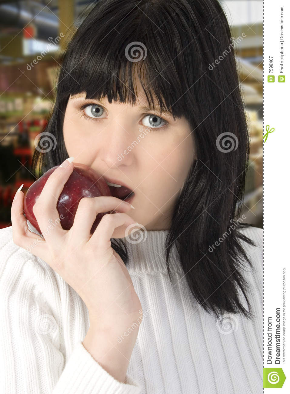 Beautiful Eat In Kitchens: Beautiful Young Woman Eating Apple Royalty Free Stock