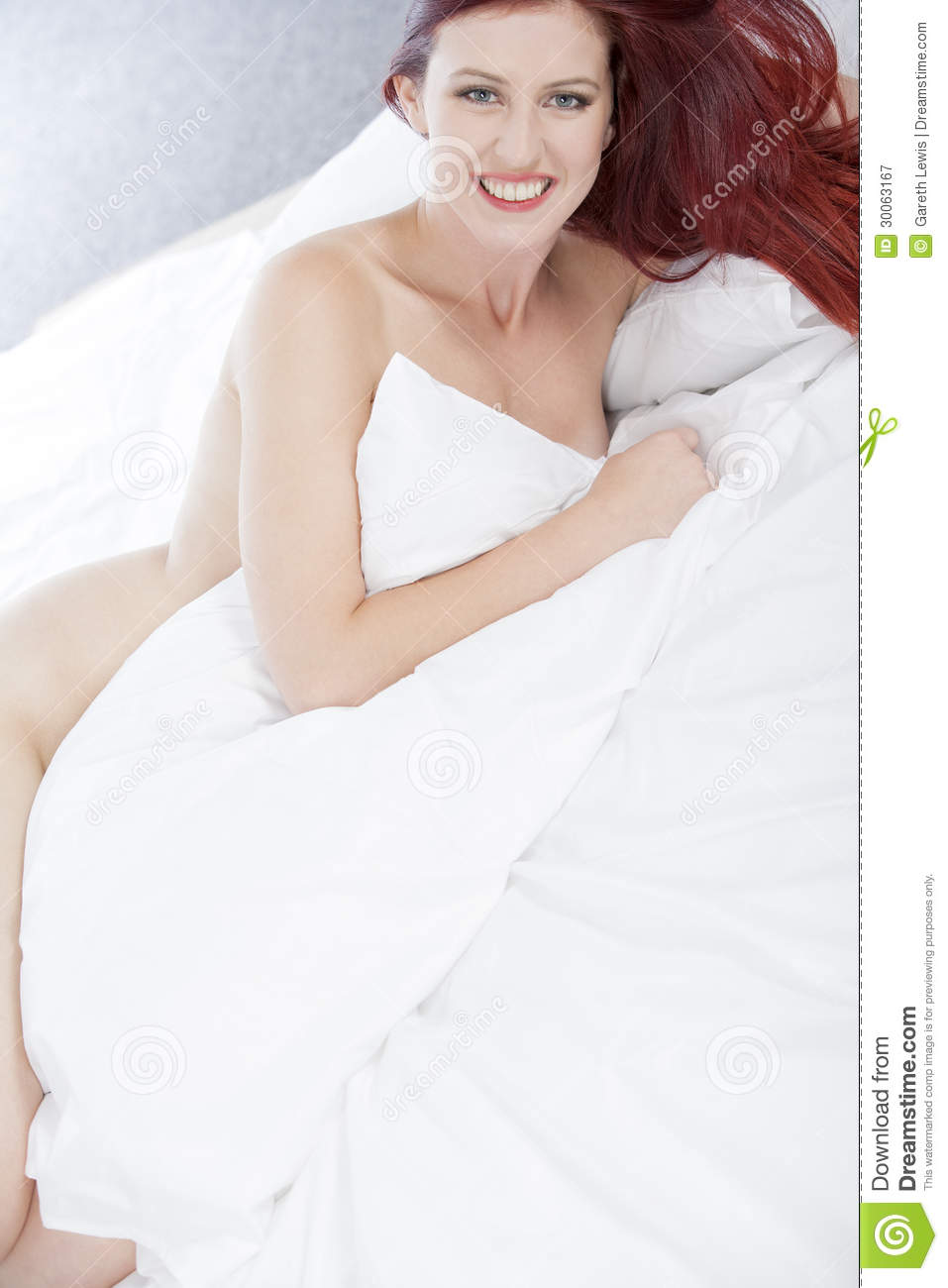 woman naked on bed stock image image of young naked 30063167. Black Bedroom Furniture Sets. Home Design Ideas