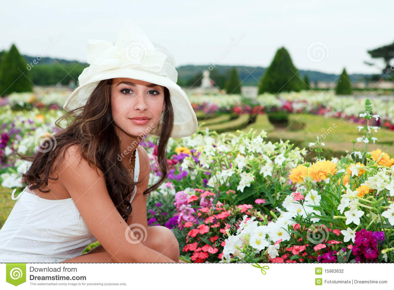 versailles single girls Meet versailles singles online & chat in the forums dhu is a 100% free dating site to find personals & casual encounters in versailles.