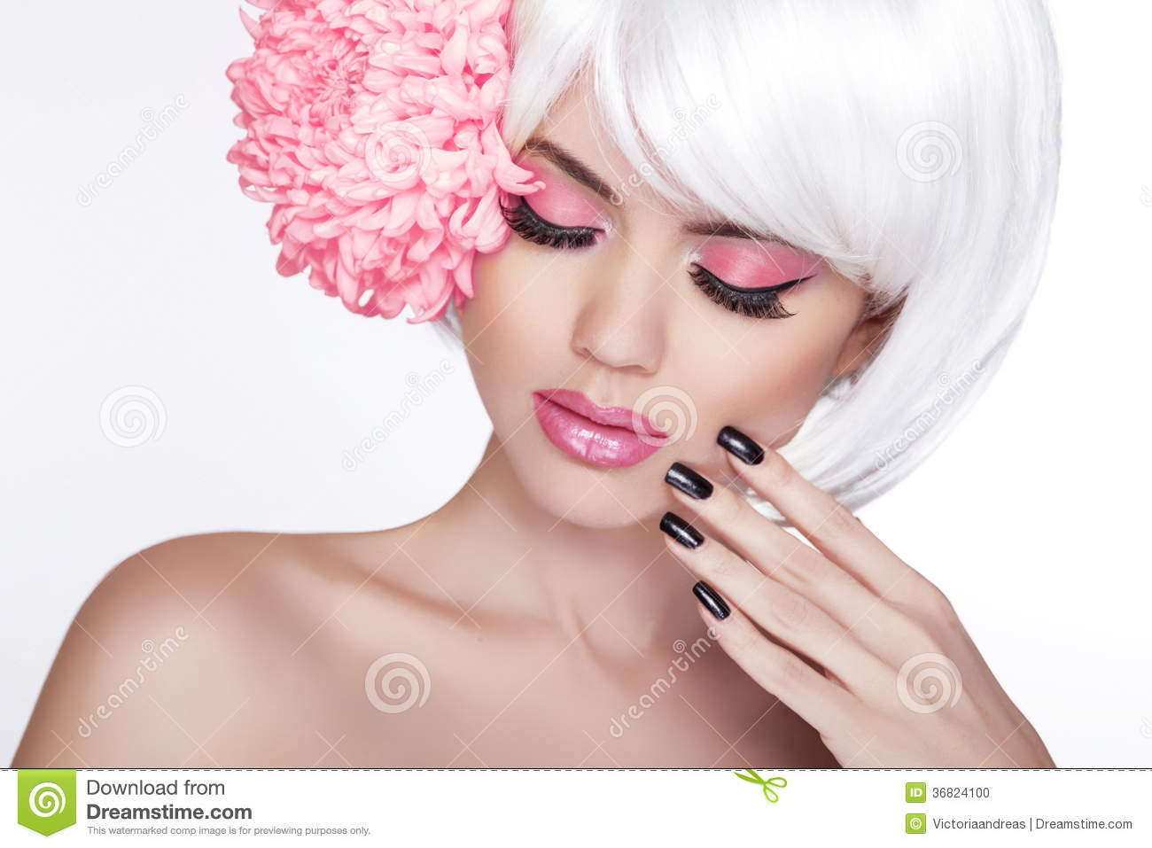 Beauty blond female portrait with lilac flower beautiful spa wo beauty blond female portrait with lilac flower beautiful spa wo izmirmasajfo Image collections
