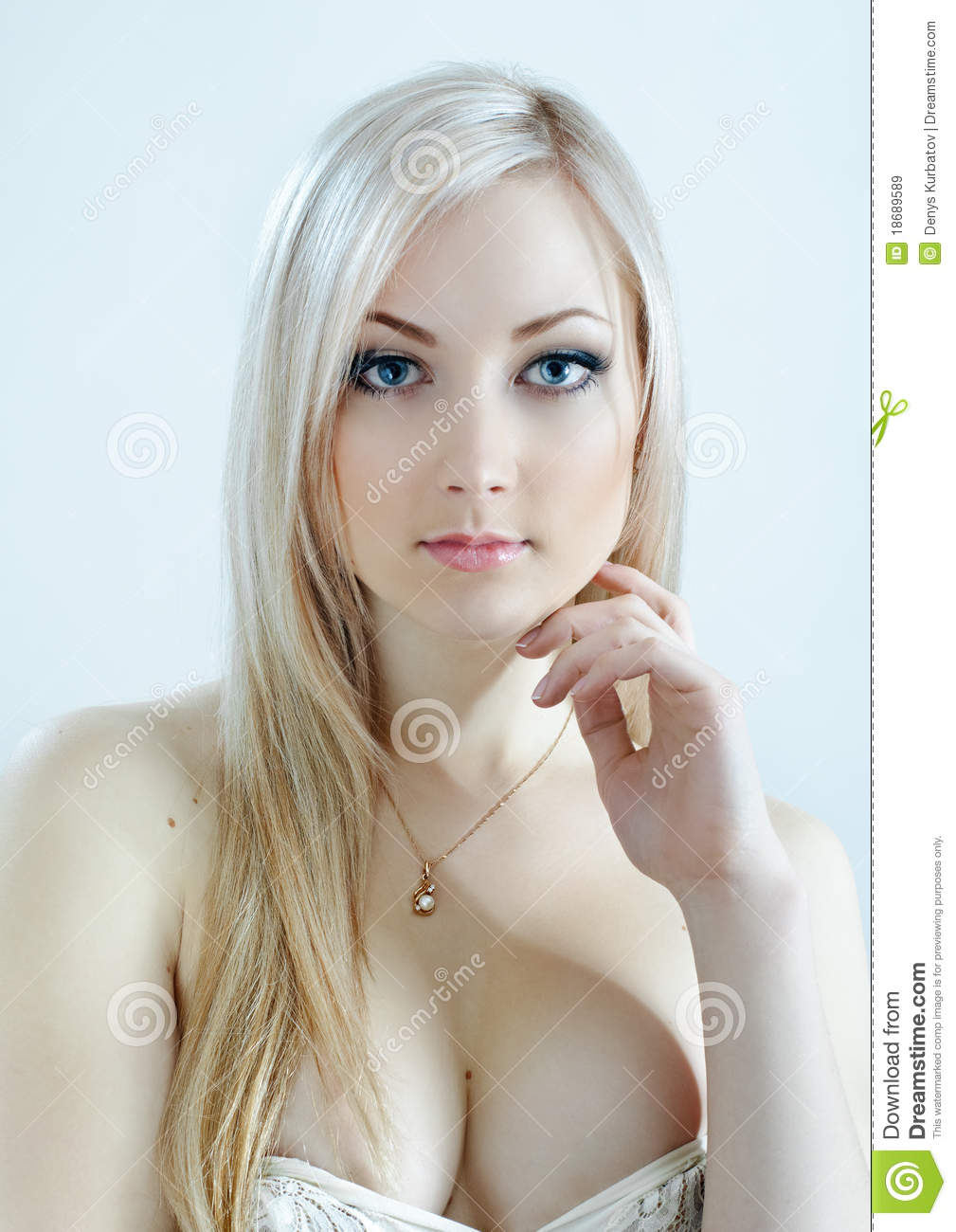 Beauty Blonde In Cold Colours Royalty Free Stock Images