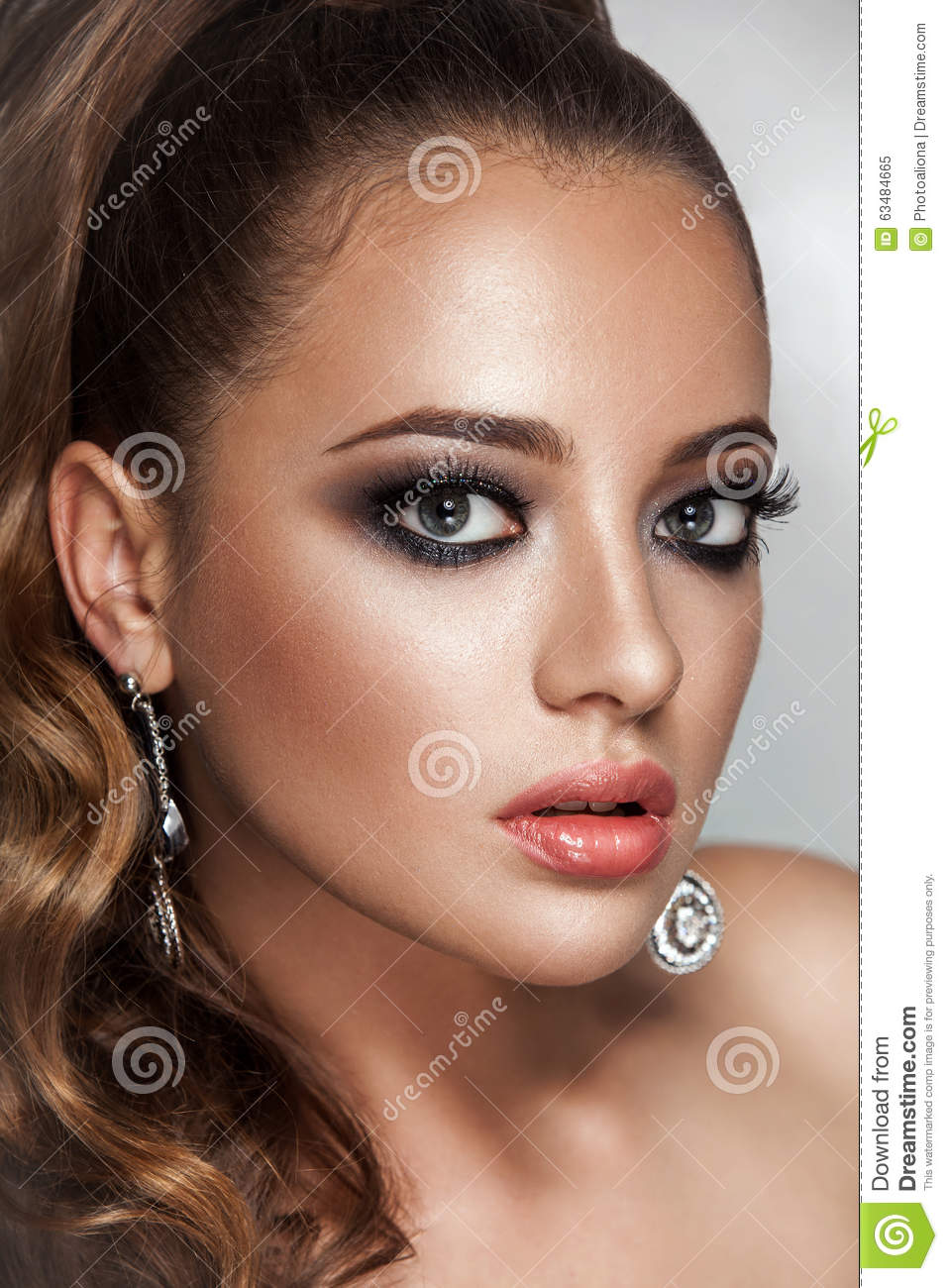 Beauty Brunette Fashion Model Girl With Long Healthy Curly