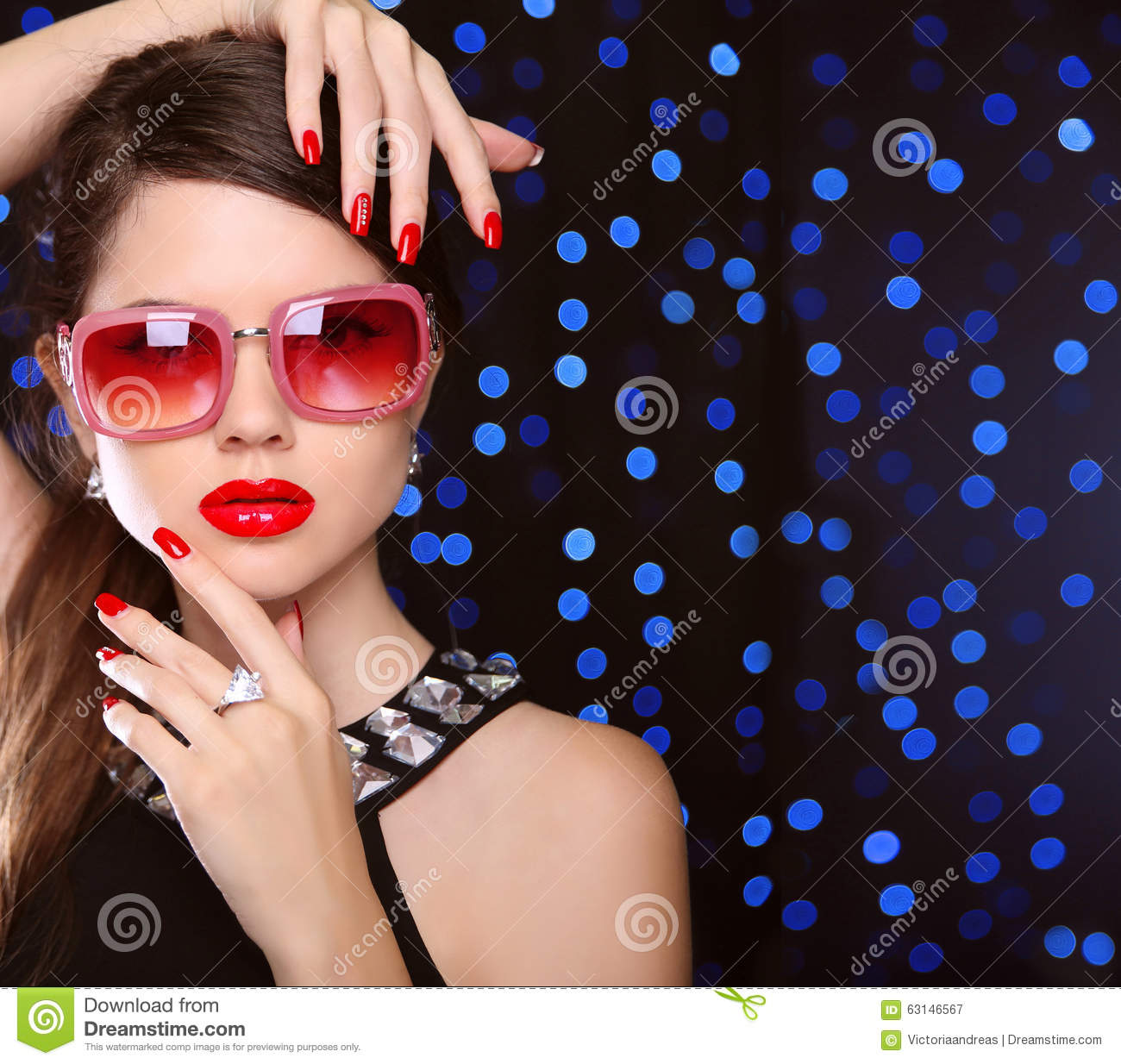 Fashion Beauty Model Girl Stock Image Image Of Manicured: Beauty. Manicured Nails. Fashion Model Girl In Sunglasses