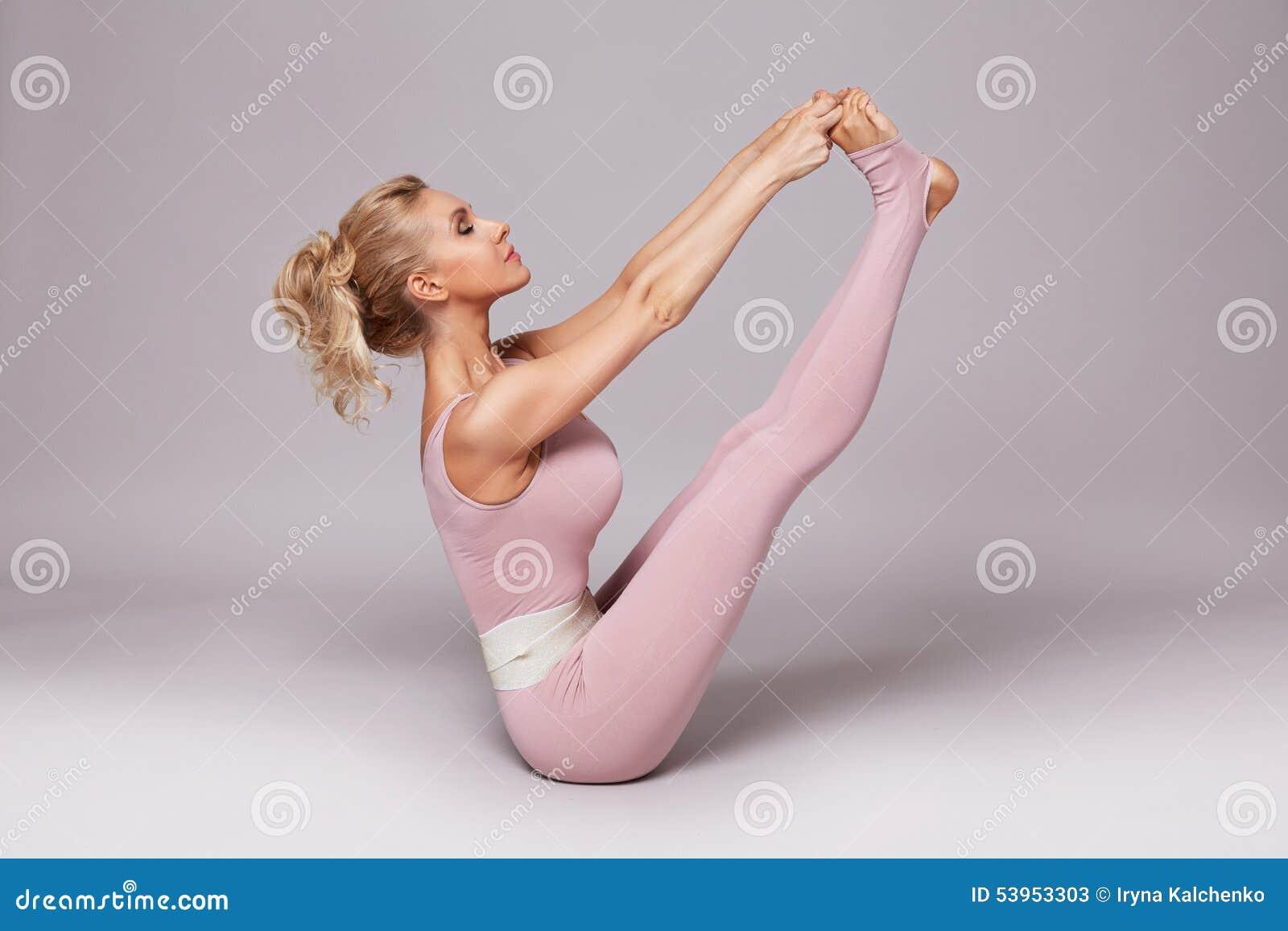Beauty woman sport yoga pilates fitness body shape clothes