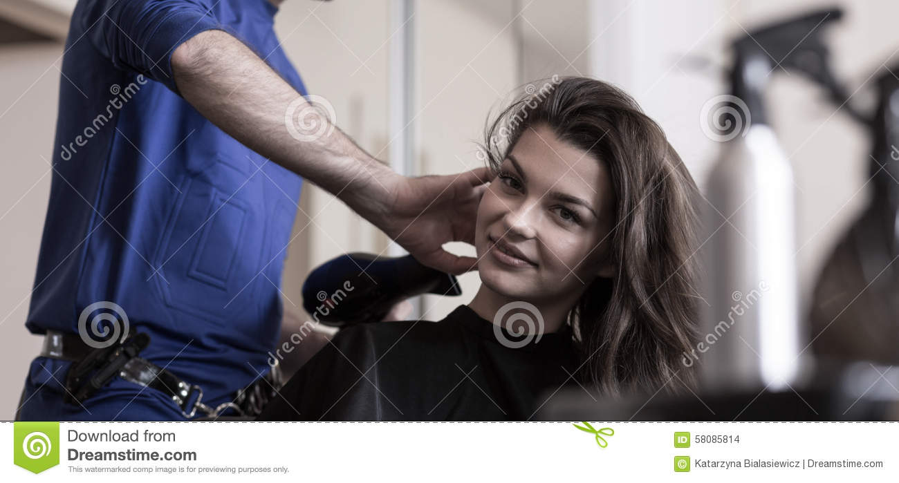 Beauty woman in hairdresser 39 s salon stock photo image for Salon younga