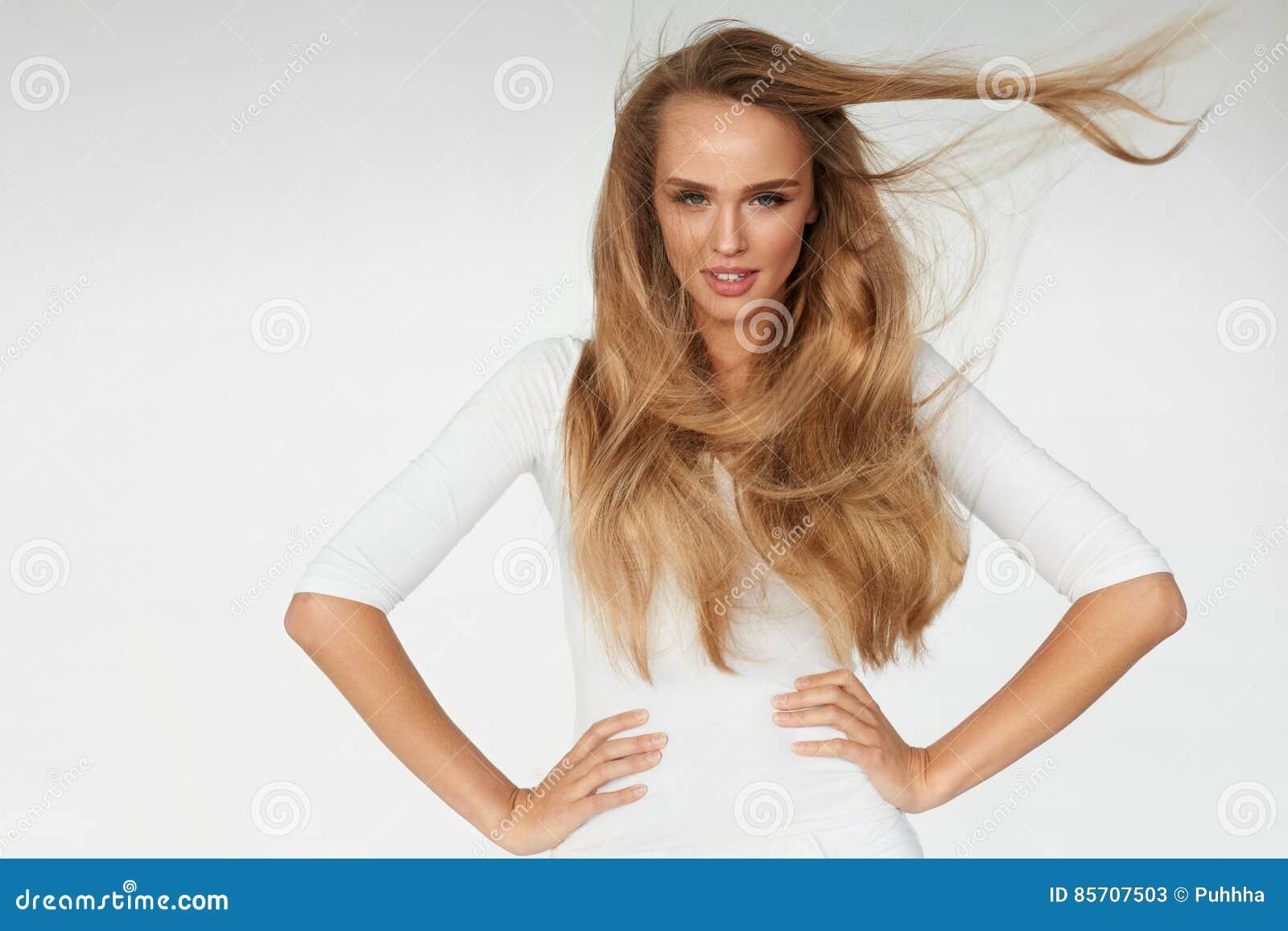 Beauvoir 与美丽的长的金发的性感的妇女模型