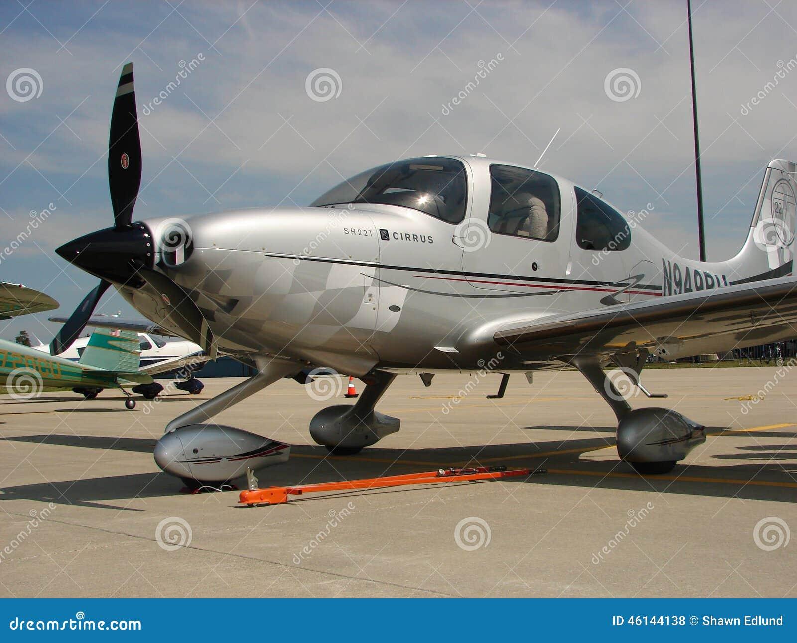 Beaux avions faits sur commande de Cirrus SR-22 Turbo
