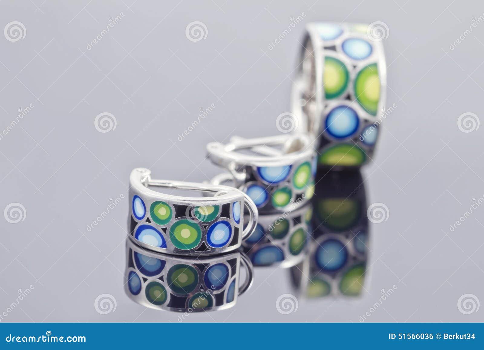 en soldes 32765 36631 Beaux bijoux colorés photo stock. Image du pendant, cadeau ...