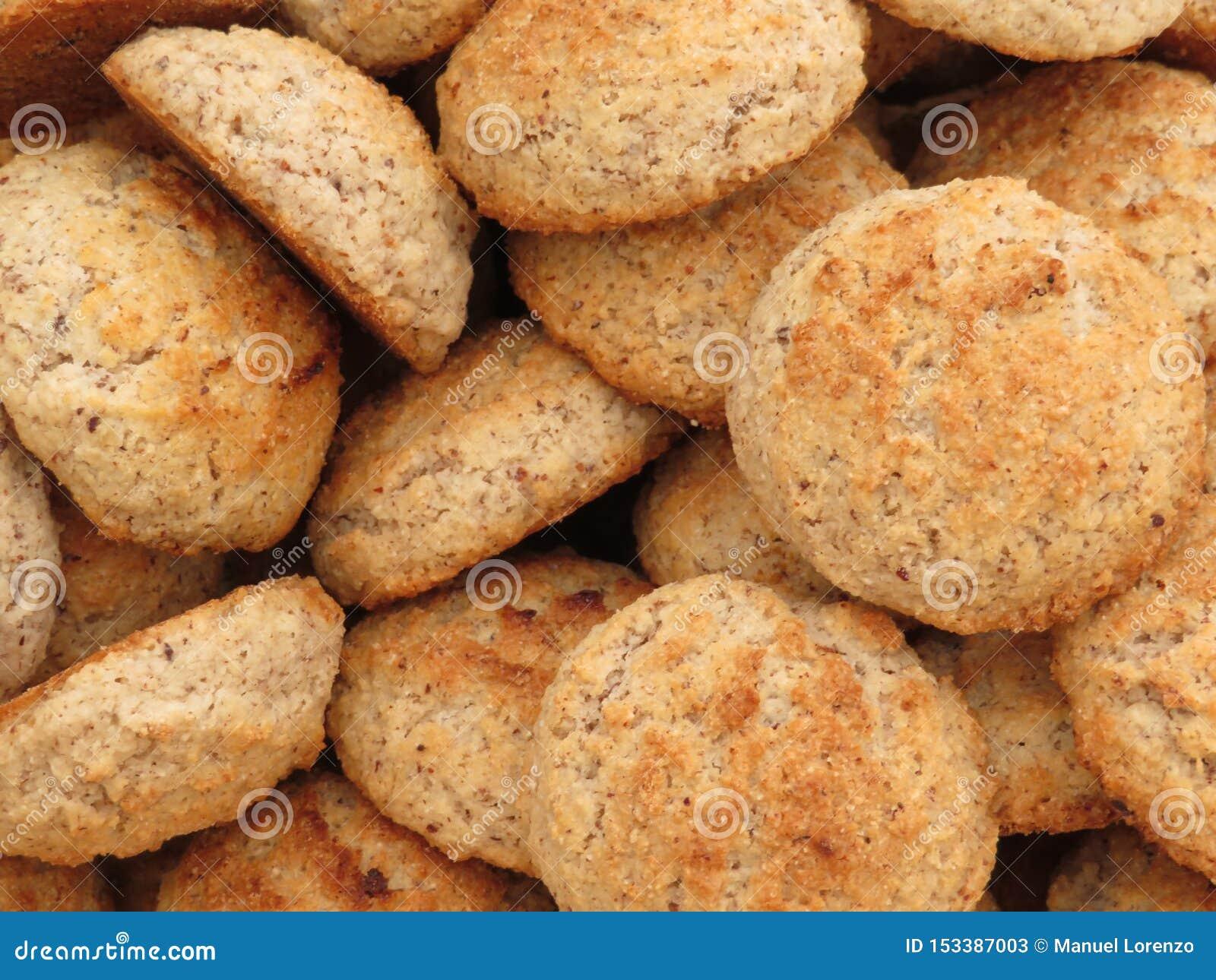 Beaux biscuits de couleur gentille et de goût délicieux