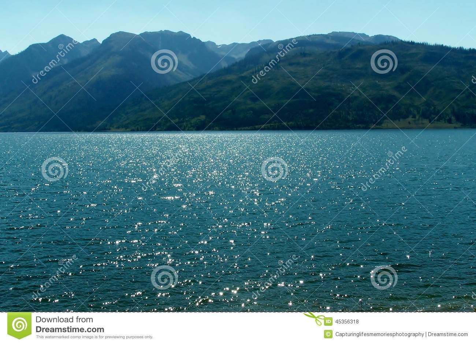 Beaux lac et montagnes