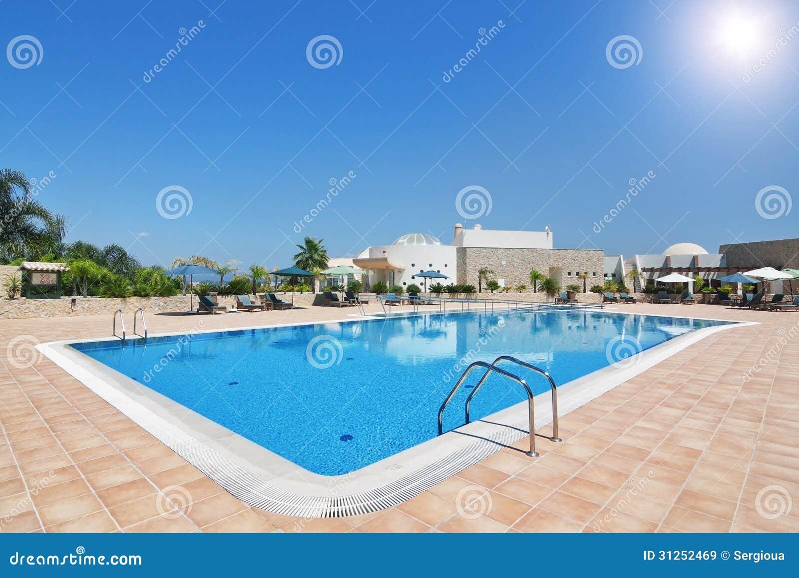 Beaux piscine et h tel pendant des vacances avec la - Hotel porto portugal avec piscine ...