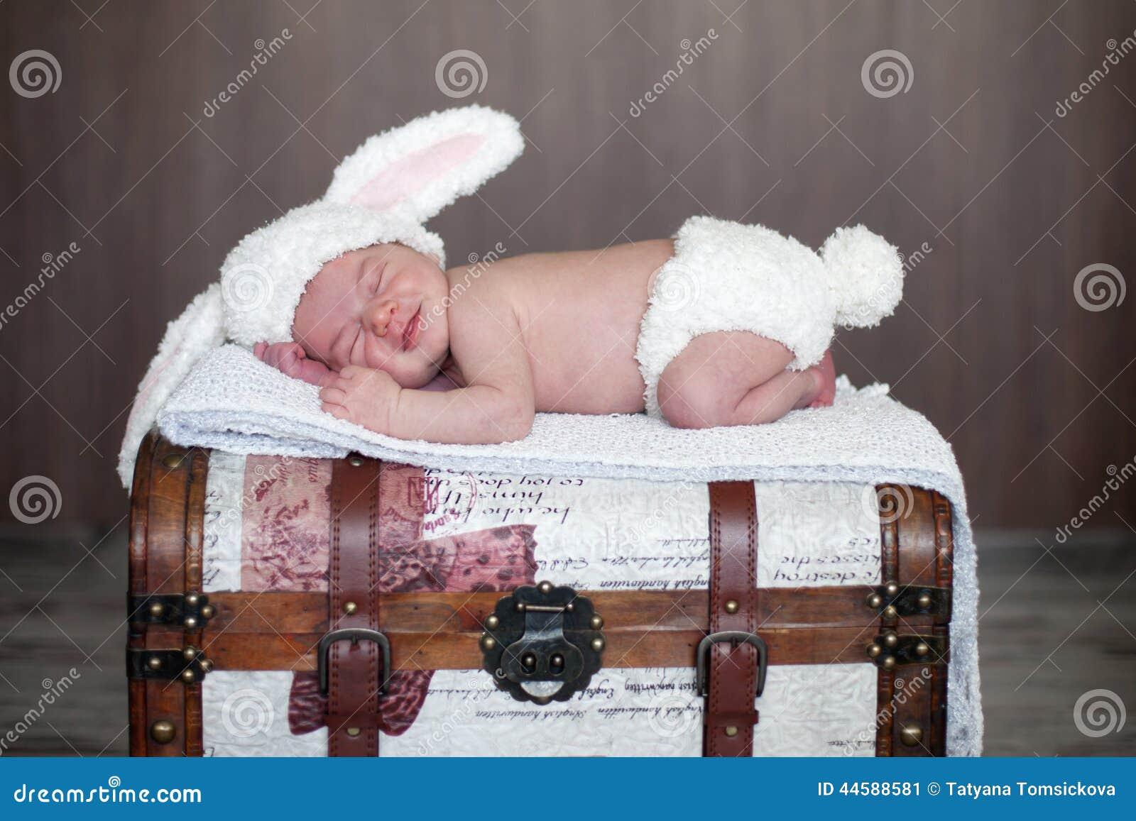 Bebé adorable, durmiendo