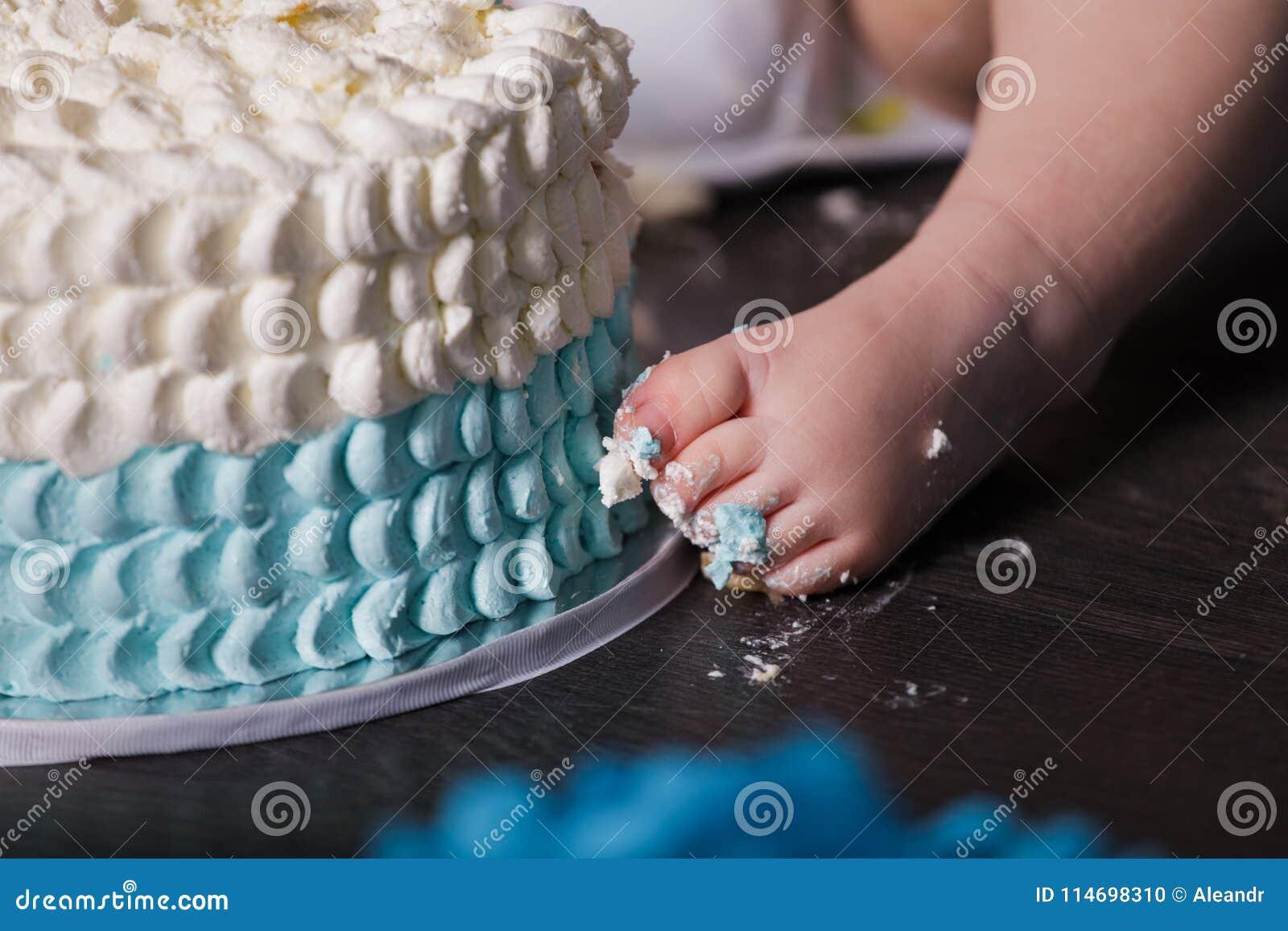 Bebe De 1 Ano Que Celebra Su Primer Cumpleanos Foto De Archivo