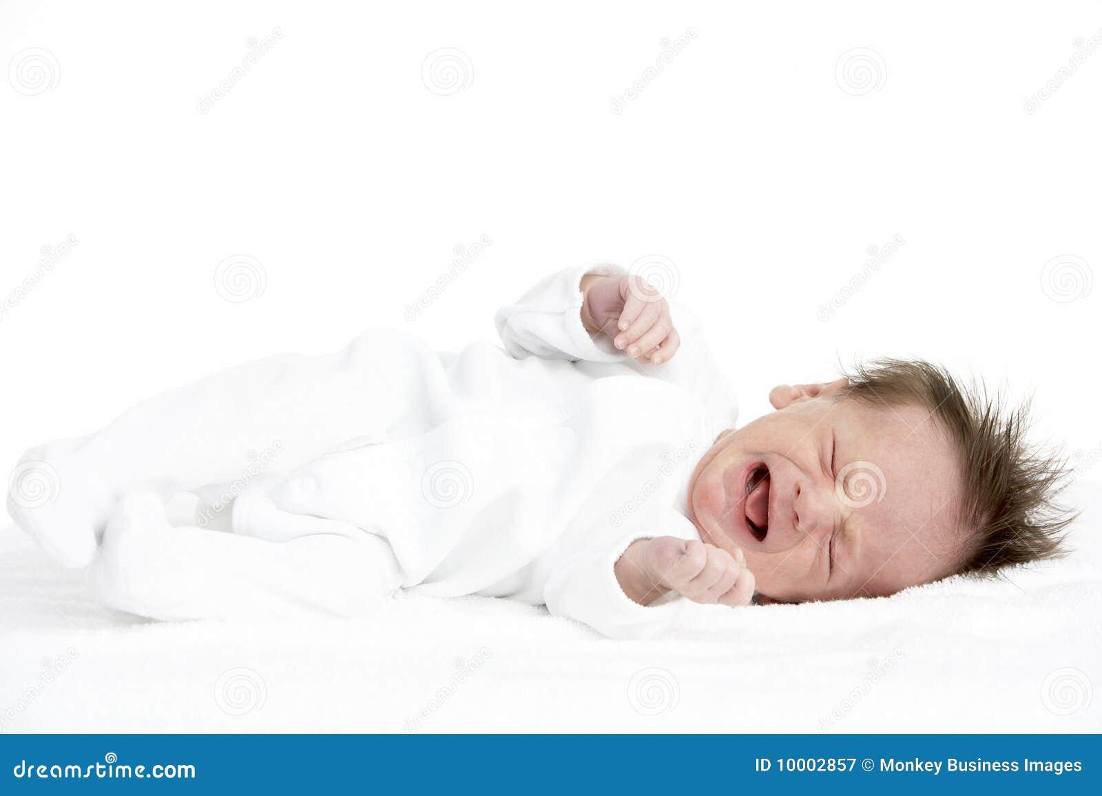 Bebé recién nacido gritador