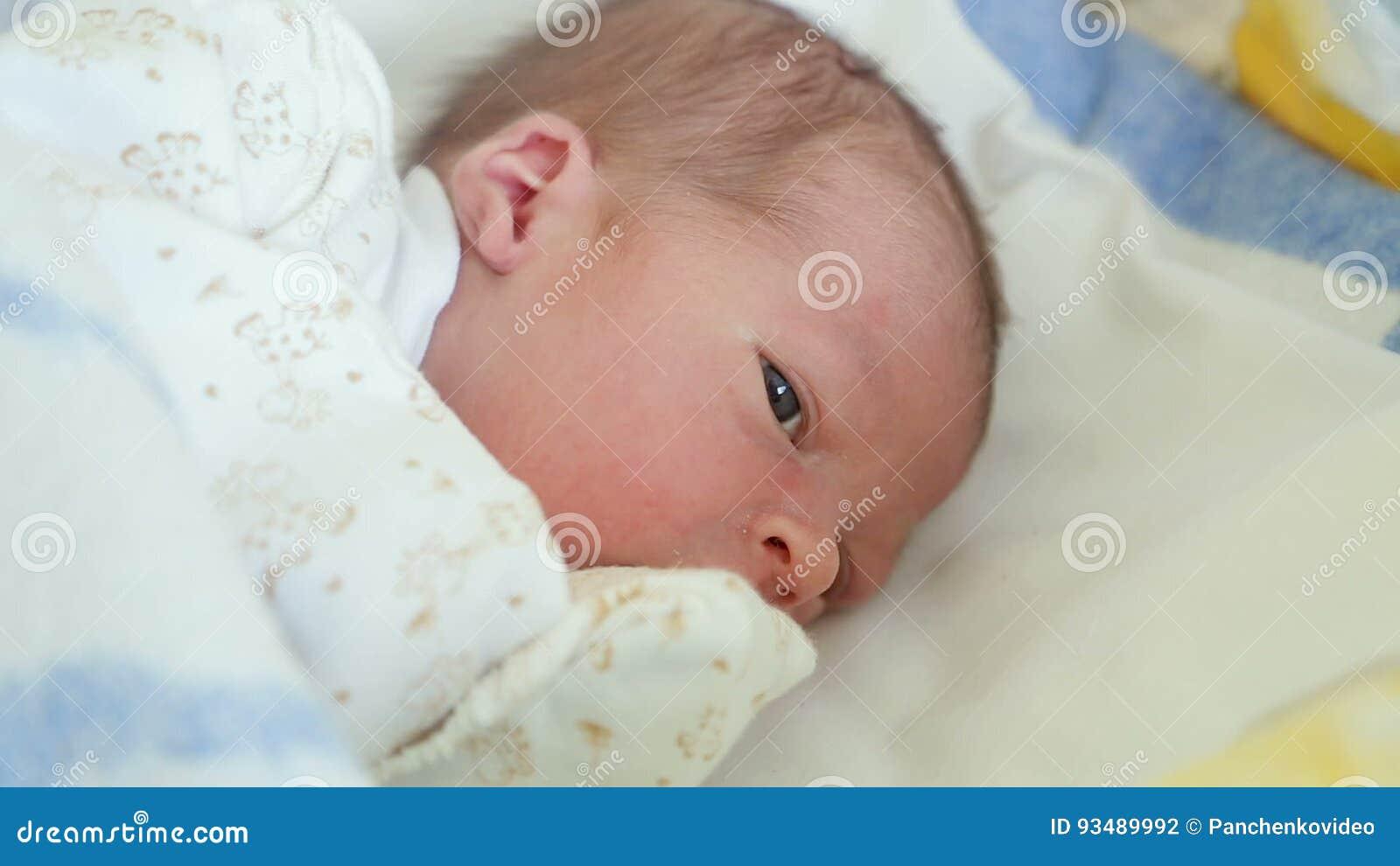 los ojos de bebes recien nacidos