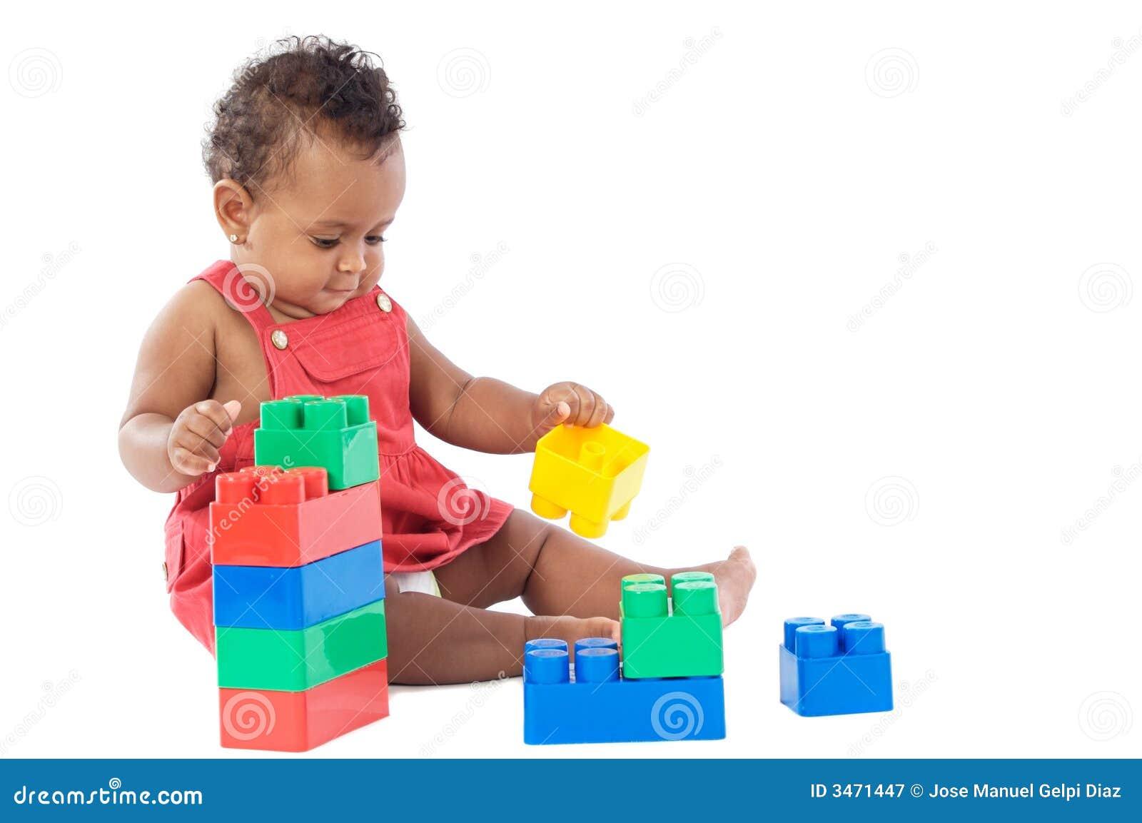 Bebê com blocos