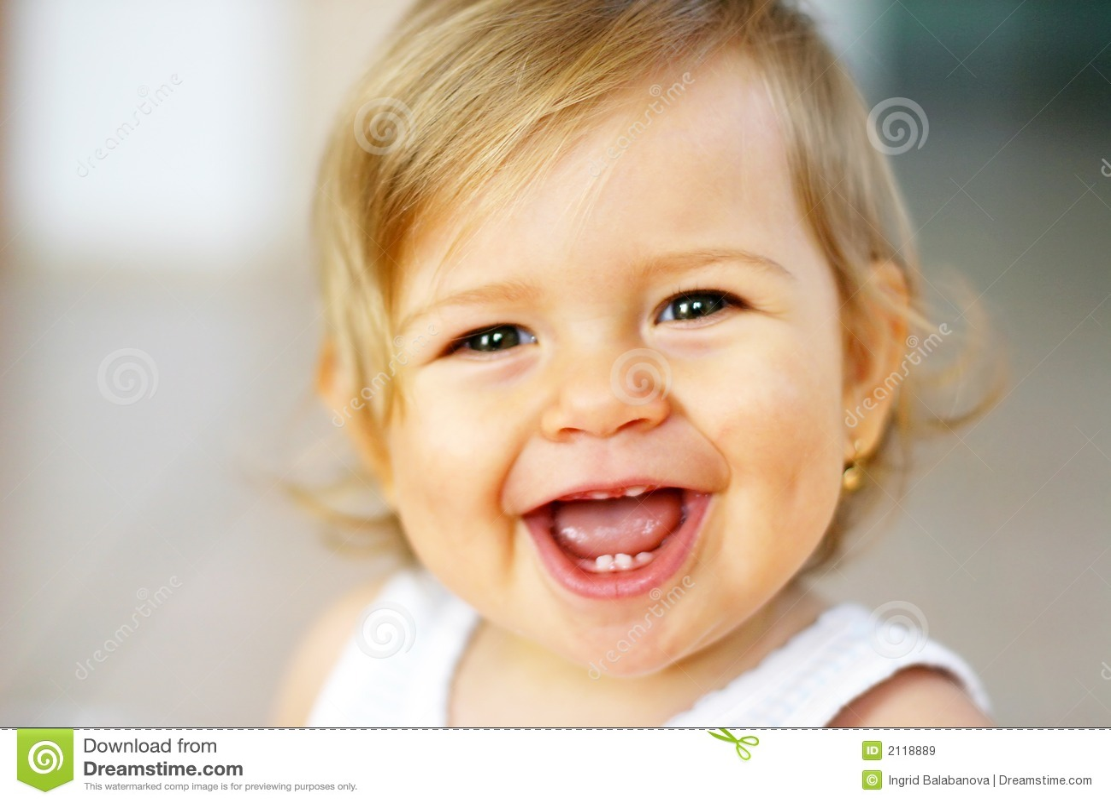 Bebê de riso