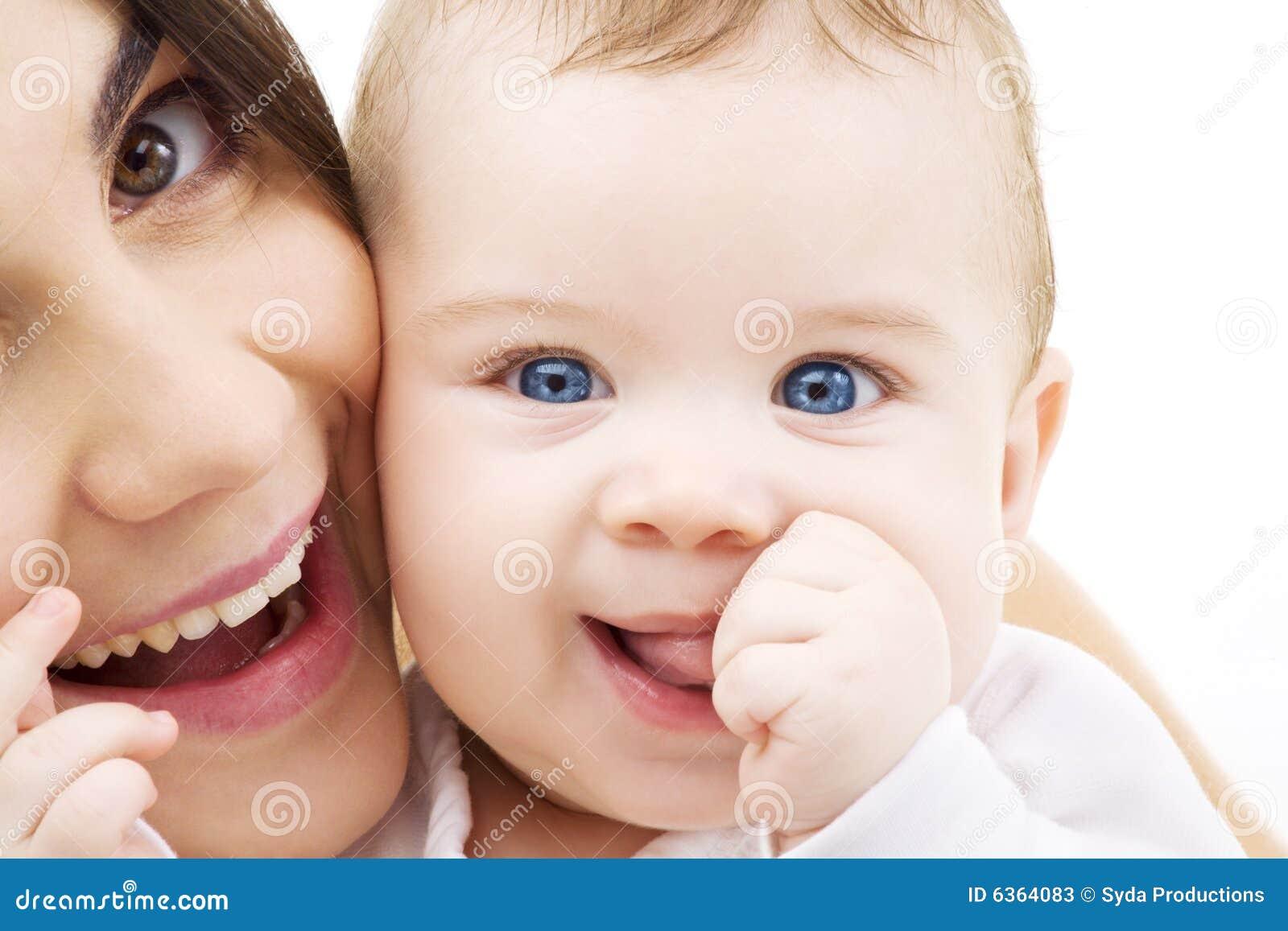 Bebê e mama
