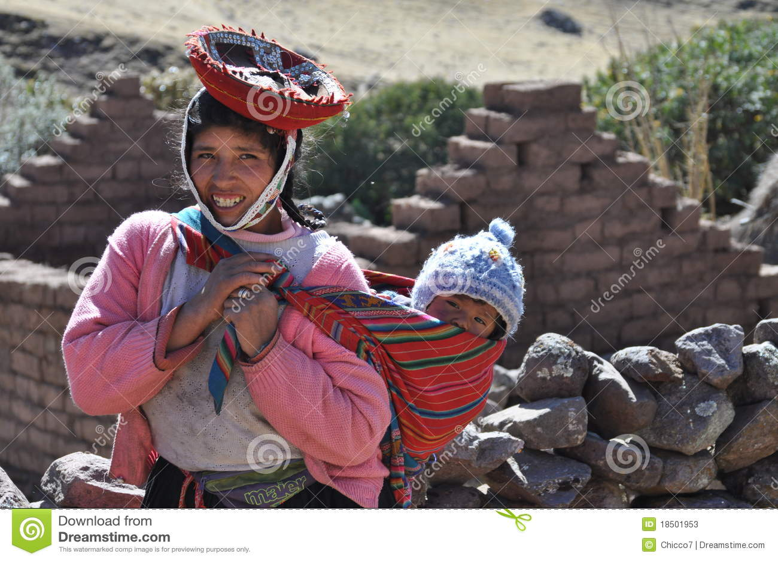 Bebê e menina de Peru