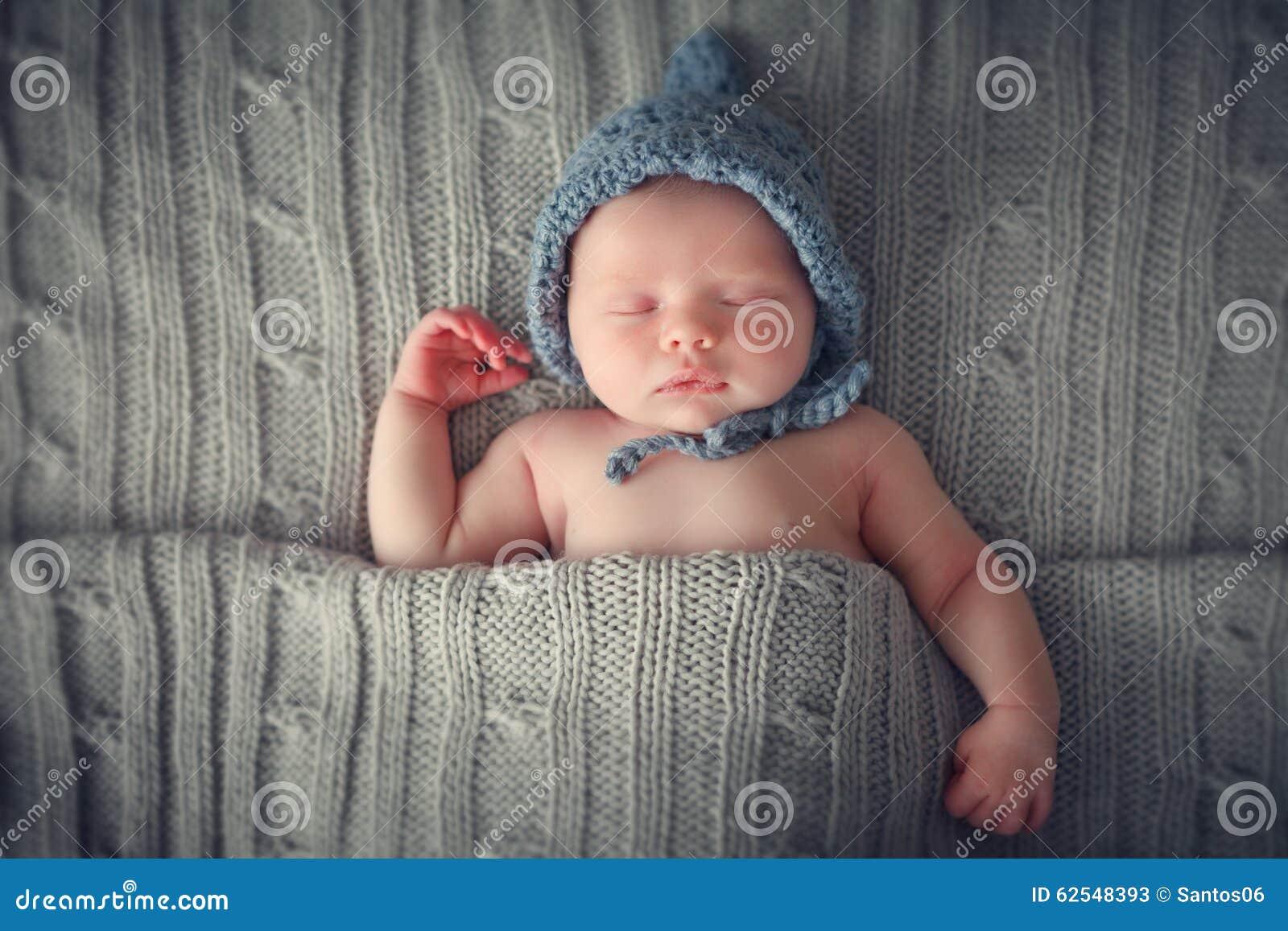 Bebê recém-nascido de sono