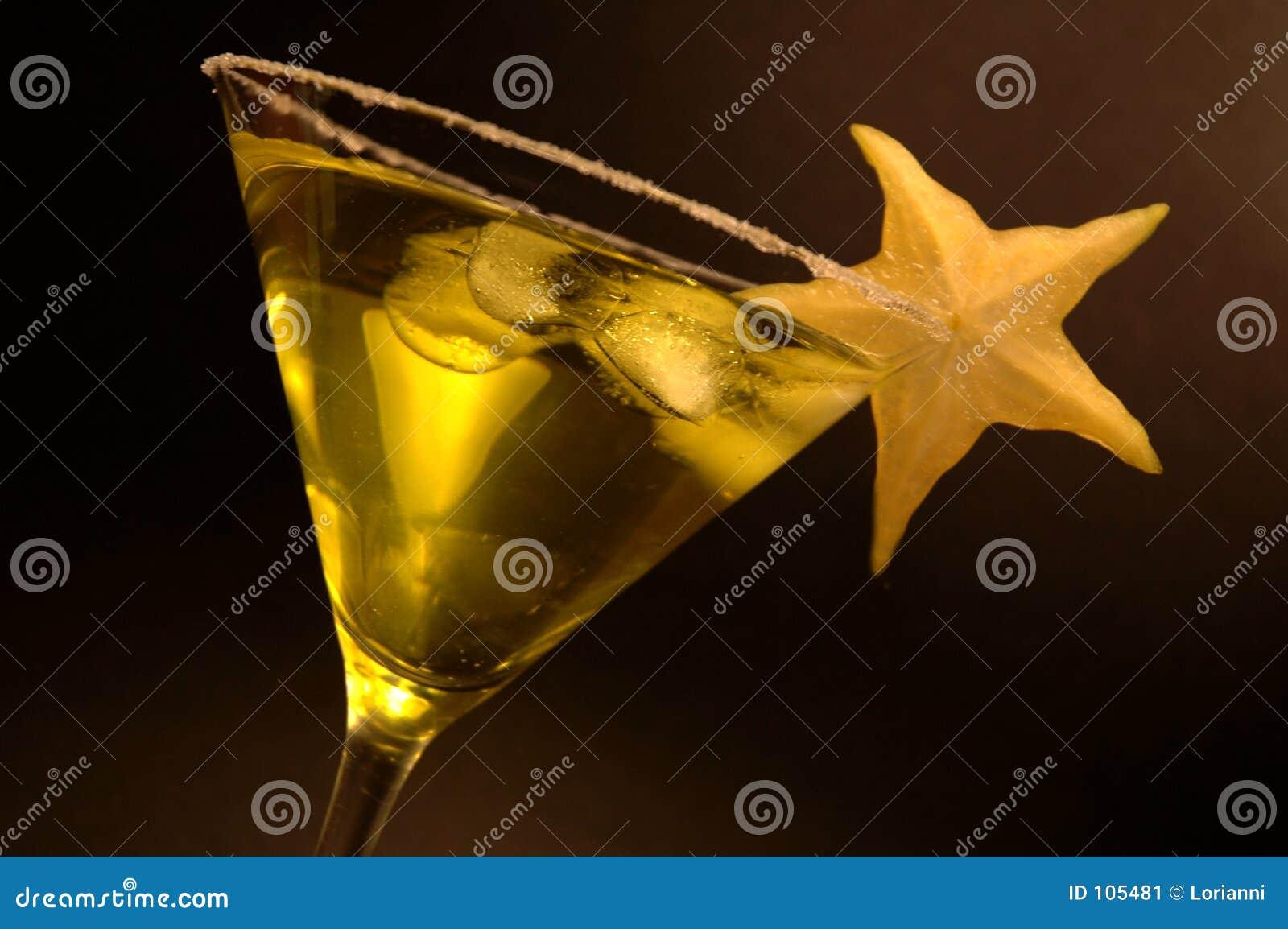 Beba no vidro de martini com fruta de estrela 1