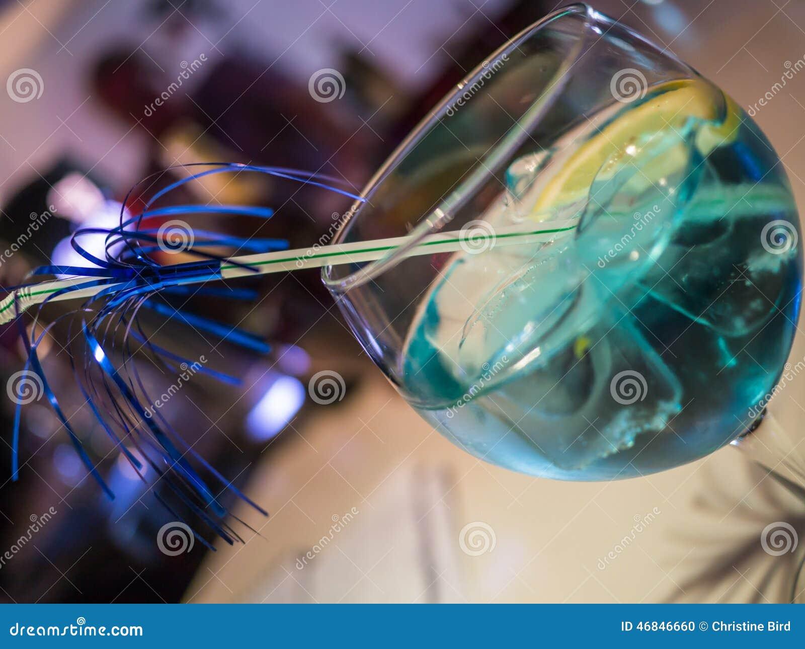 Bebida azul do cocktail