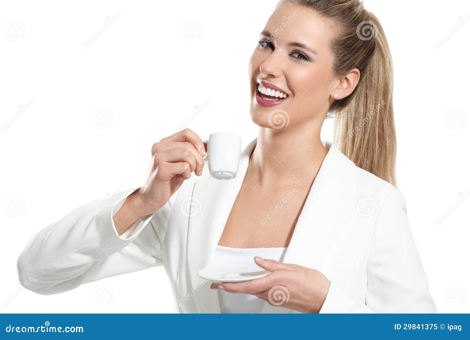 Bebida bonita nova da mulher um café