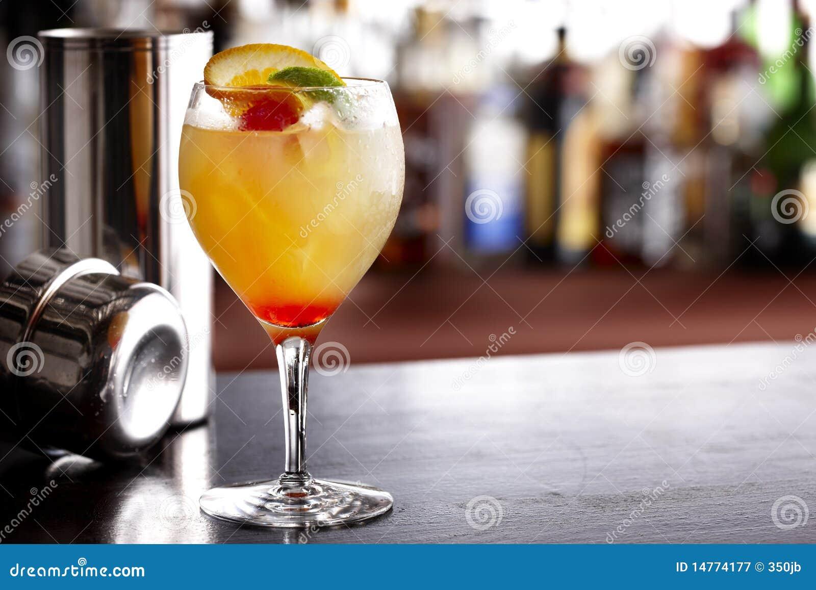Bebida mezclada colorida