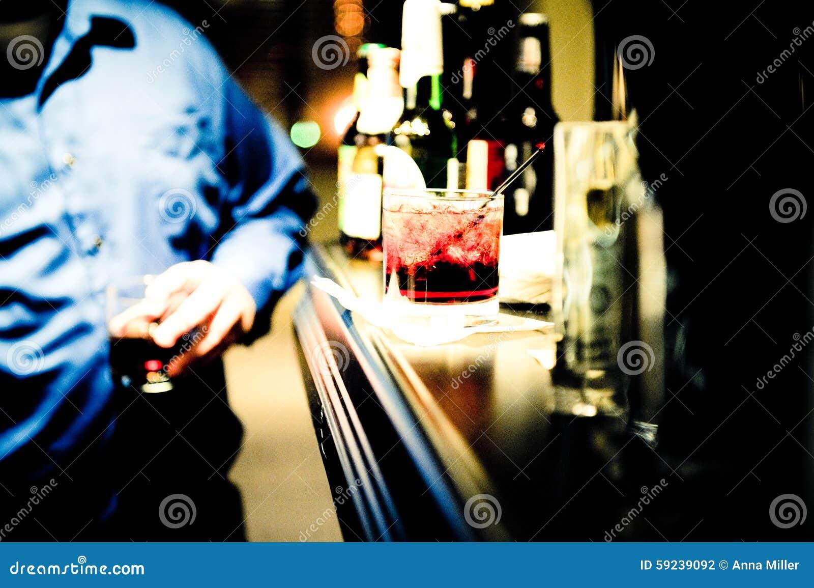 Download Bebida para arriba foto de archivo. Imagen de paja, efectivo - 59239092