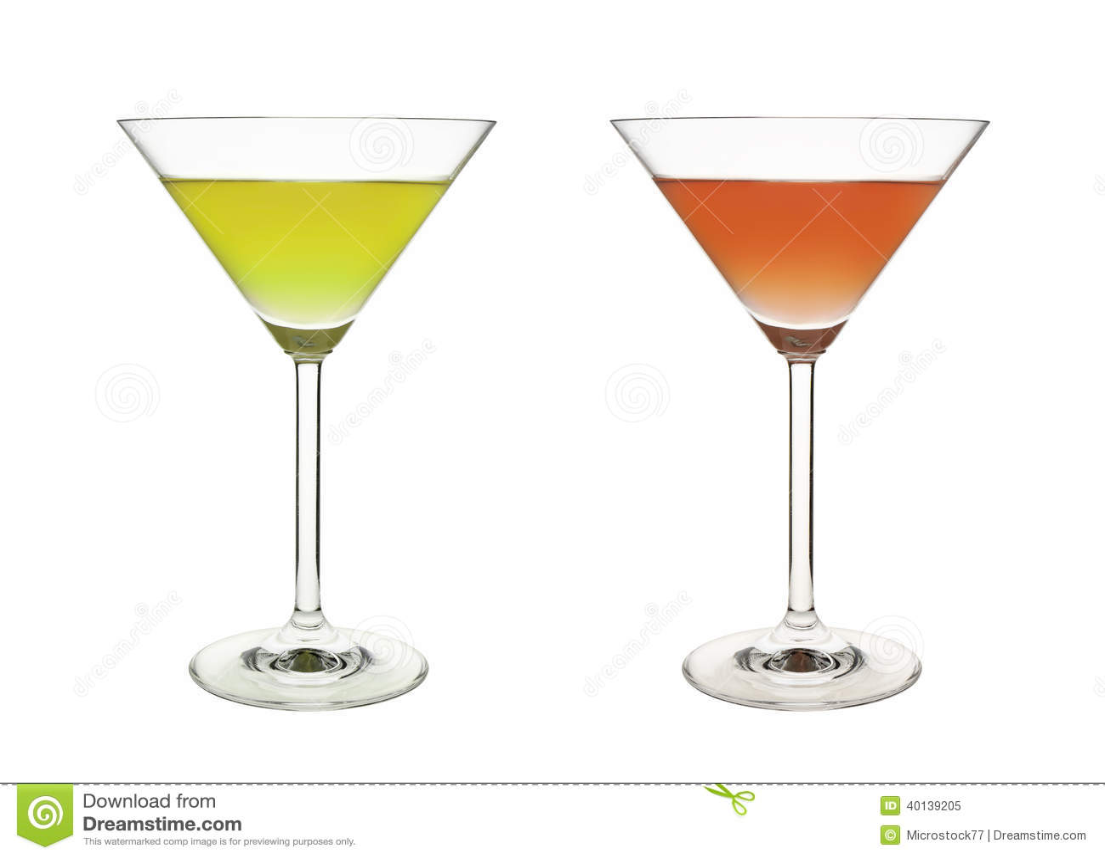 Bebida verde vermelha do copo