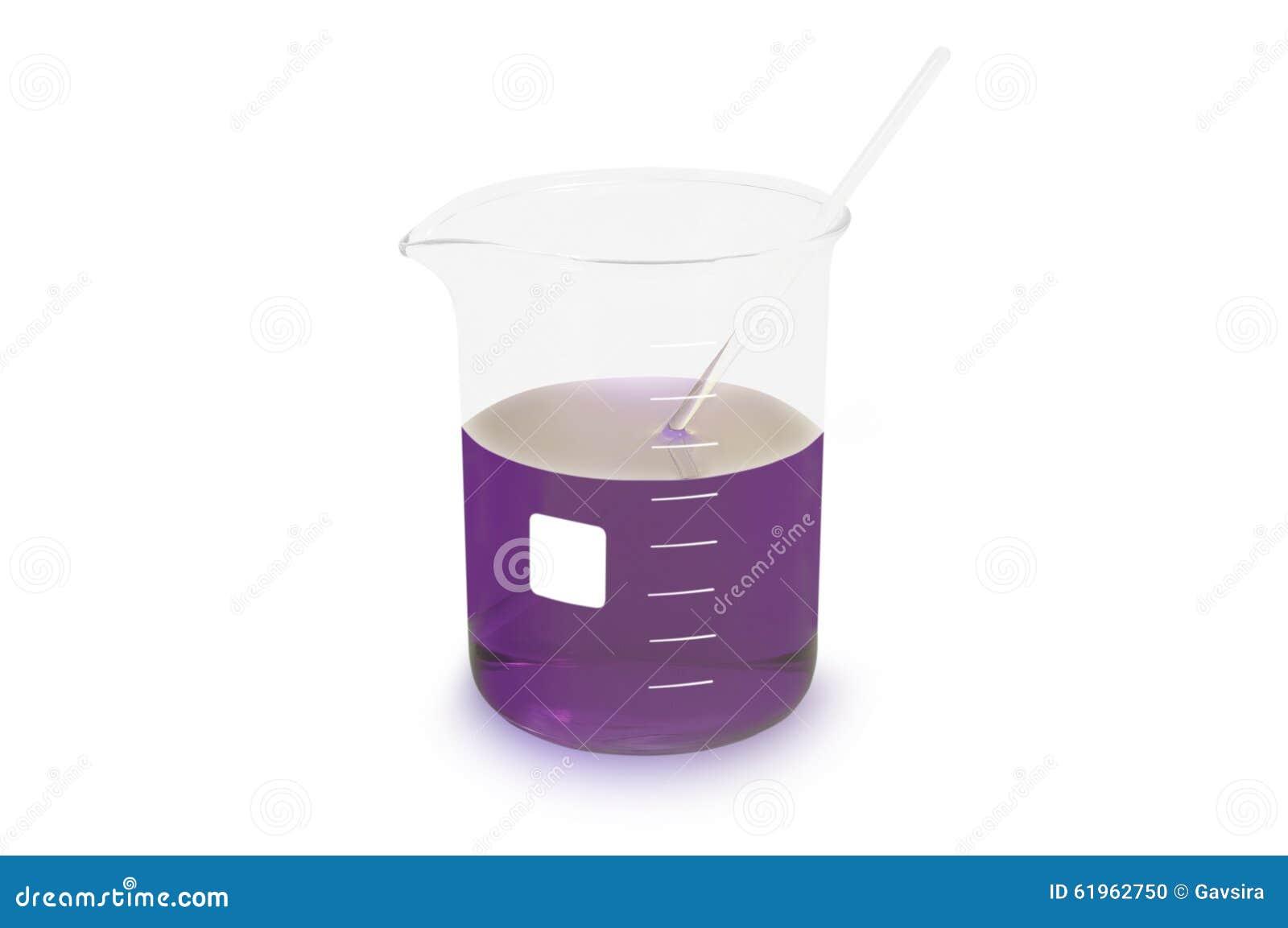 Becher cylindrique (verrerie) avec du réactif pourpre d isolement sur le fond blanc