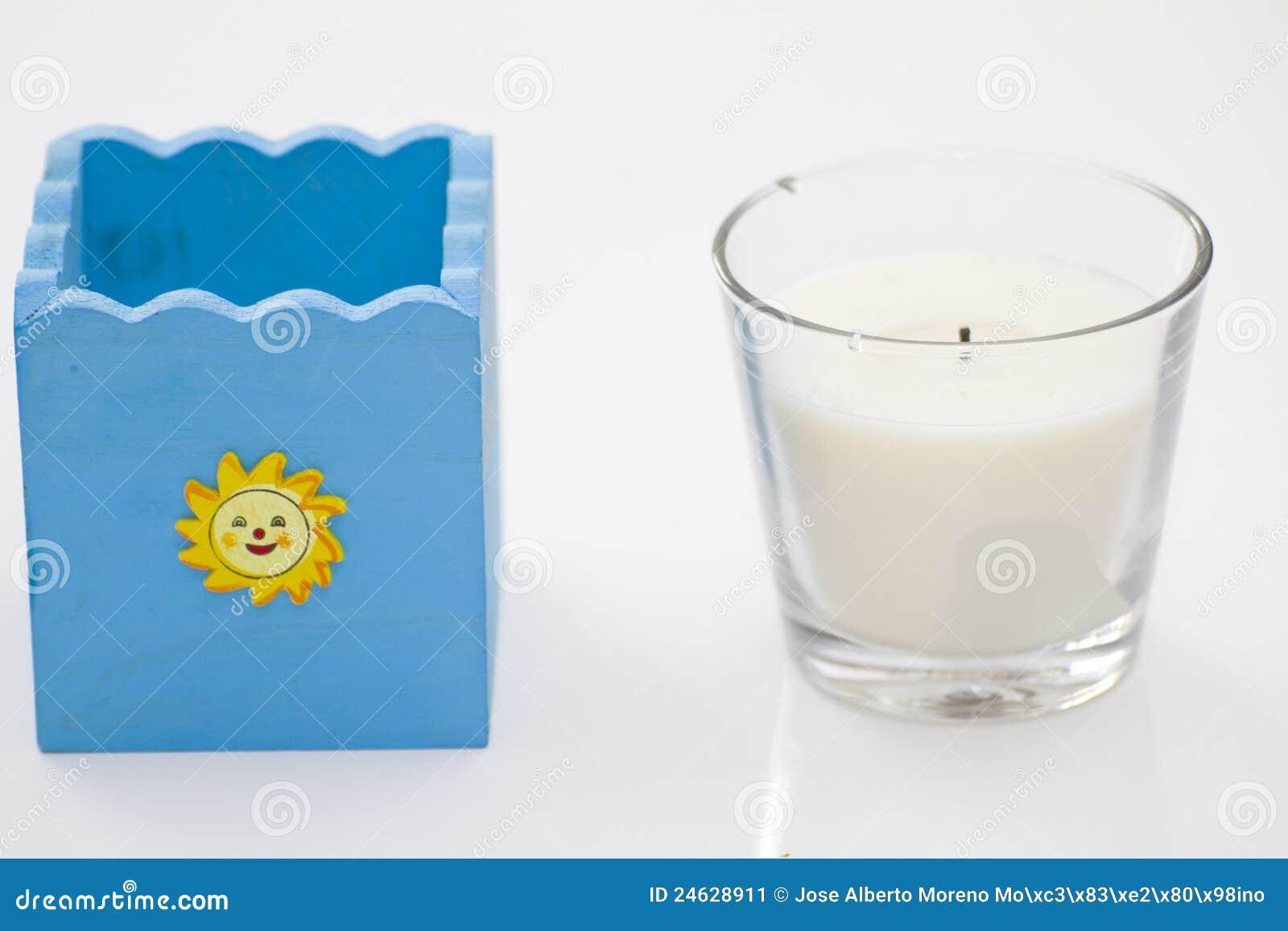 Becher und Kerze