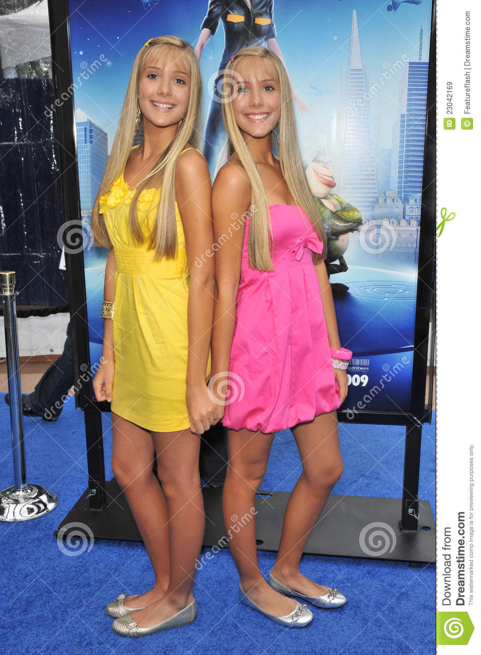 Milly & Becky Rosso: Blue Carpet Beauties | Photo 106241 - Photo ...