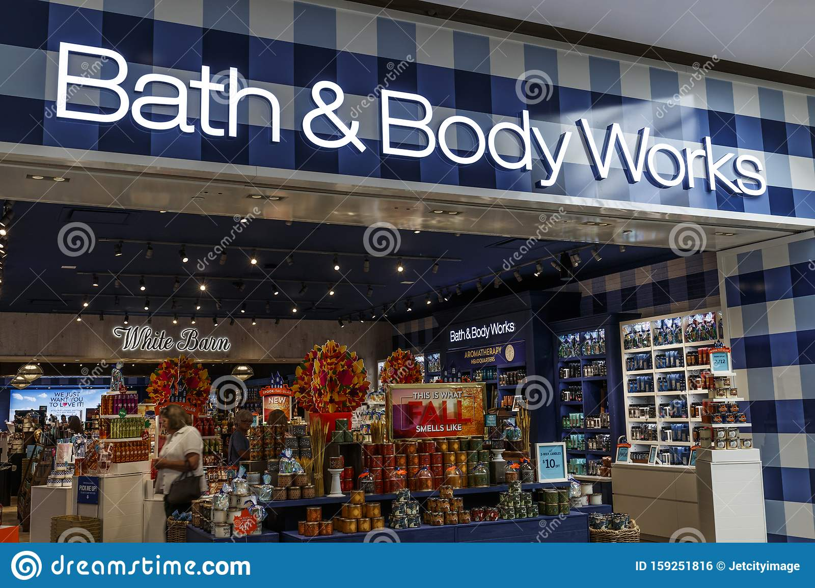 Bed Bath Beyond Retail Mall Store Offers Home Decor Products For The Bedroom Bathroom And Kitchens Editorial Photo Image Of 159251816