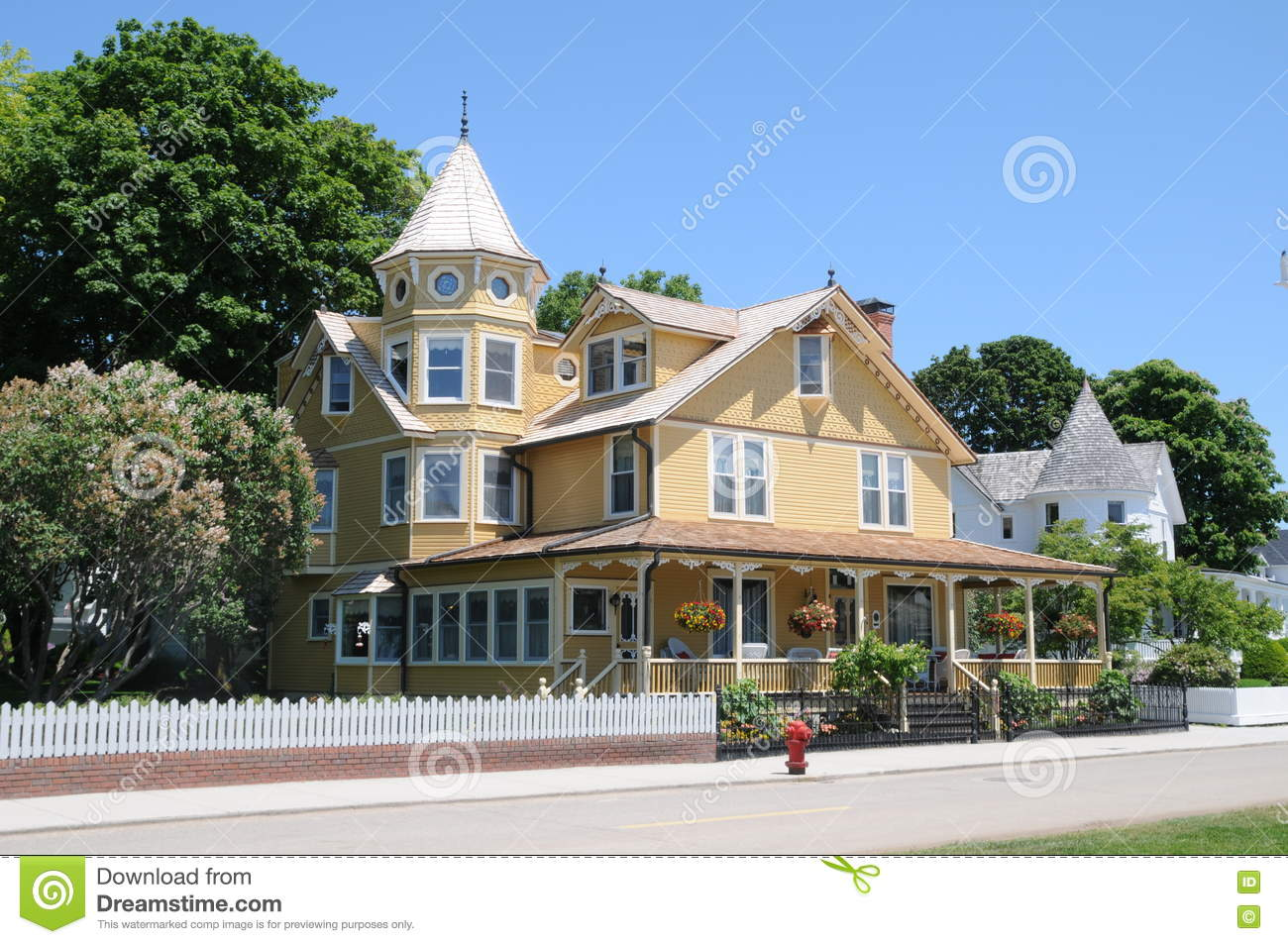 Bed And Breakfast On Mackinac Island Michigan Editorial Photography
