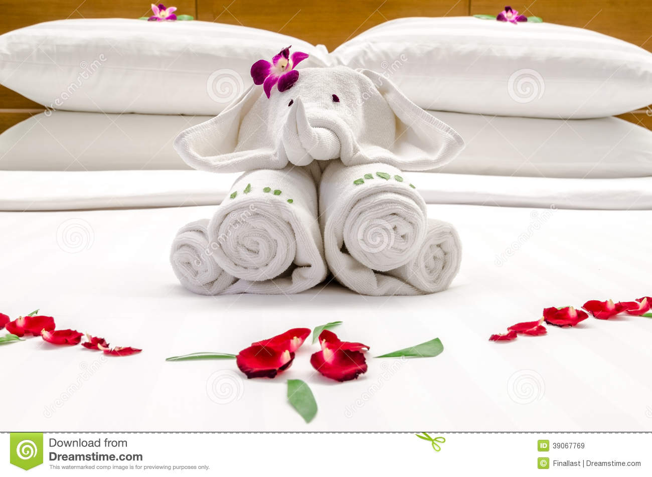 Royalty Free Stock Photo  Download Bed Decoration. Bed Decoration With Flowers And Elephant Stock Image   Image  39067769