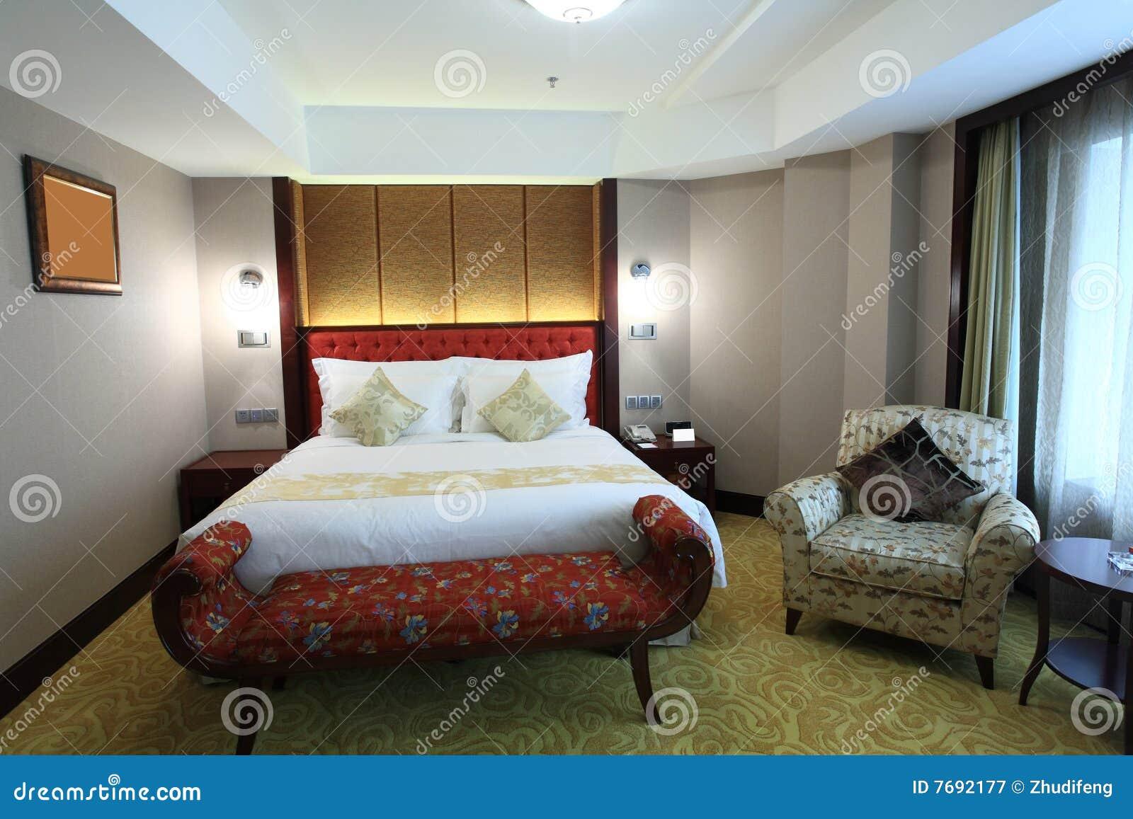 Bed In Woonkamer : Bed in woonkamer stock afbeelding afbeelding bestaande uit