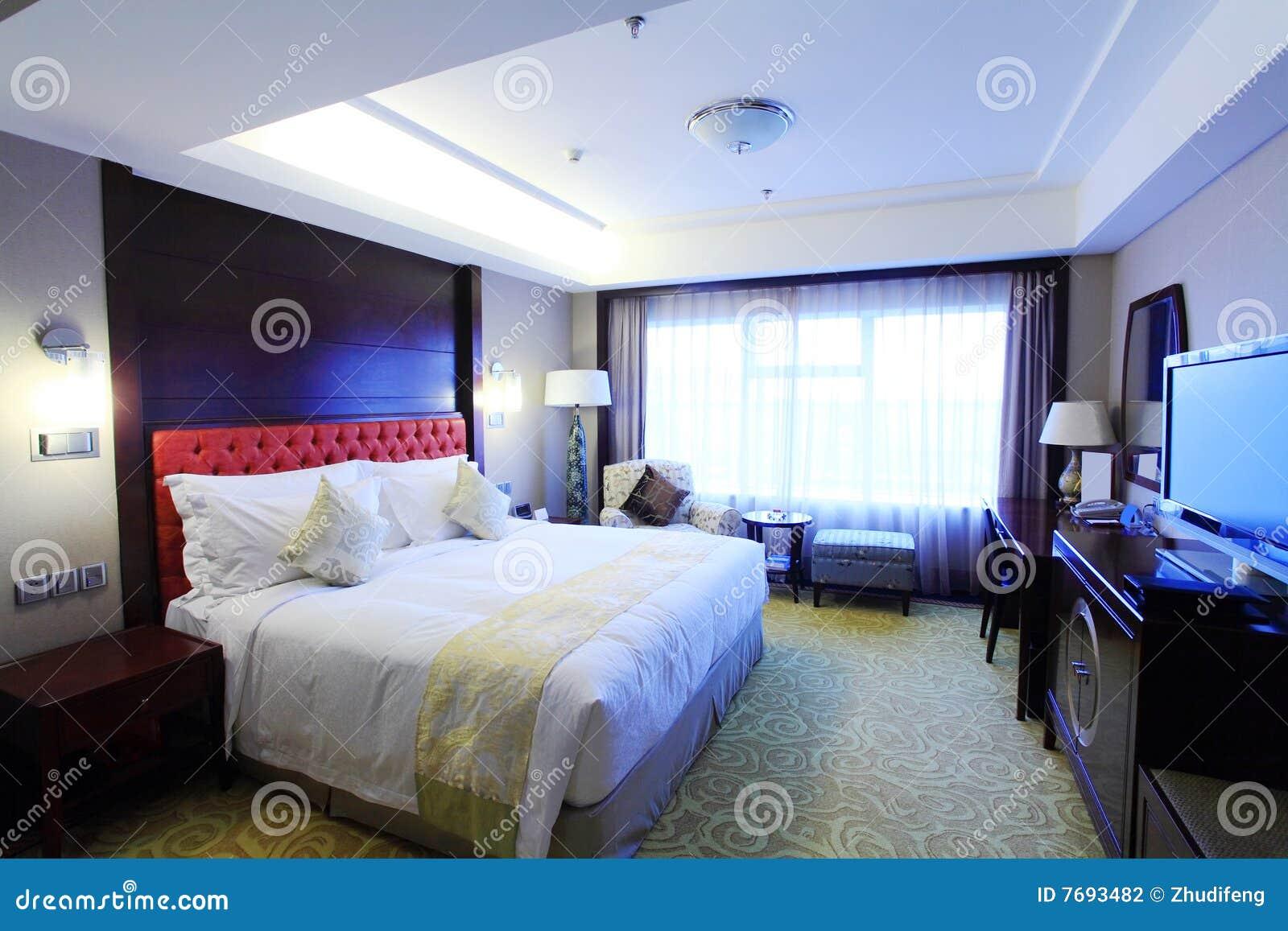 Bed In Woonkamer : Bed in woonkamer stock foto afbeelding bestaande uit ruimte