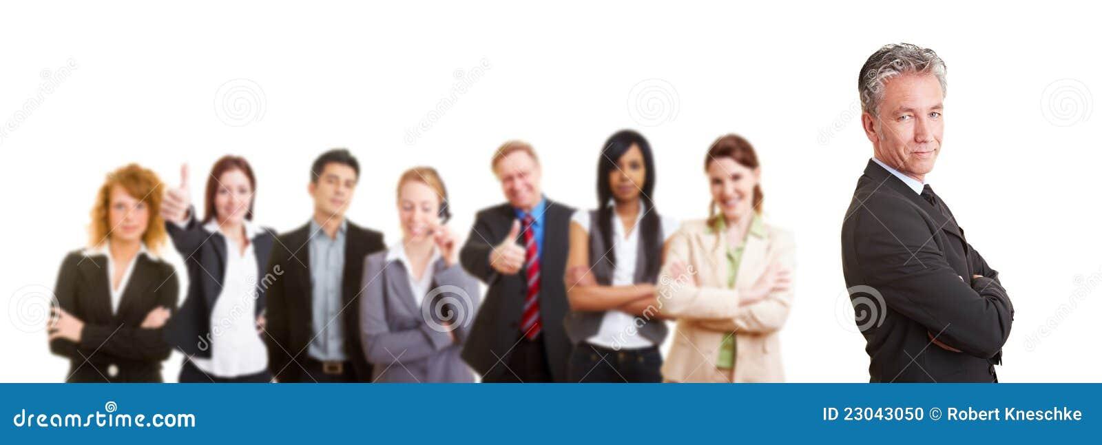 Bedrijfs mens met zijn teampartners