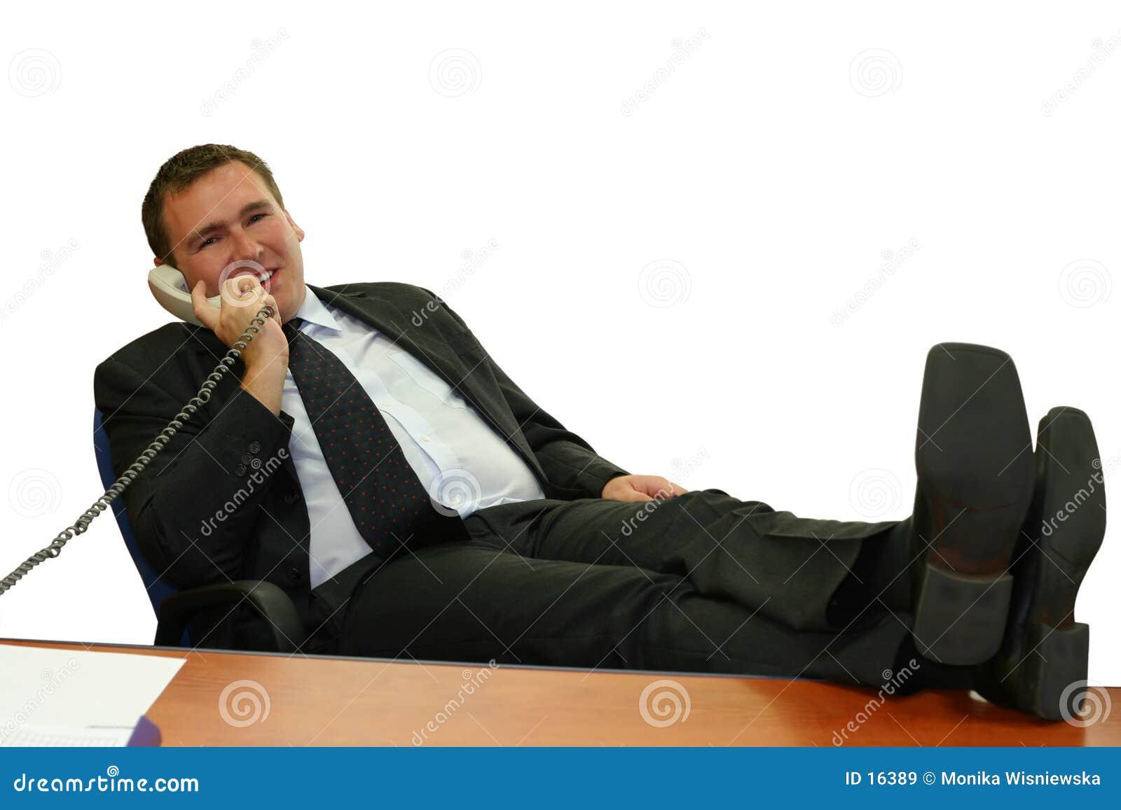 Bedrijfs mens in zijn bureau