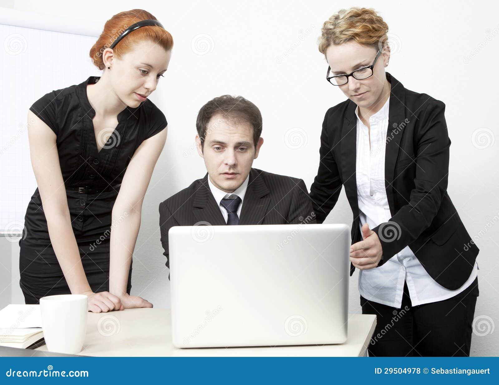 Bedrijfs mensen die een vergadering hebben