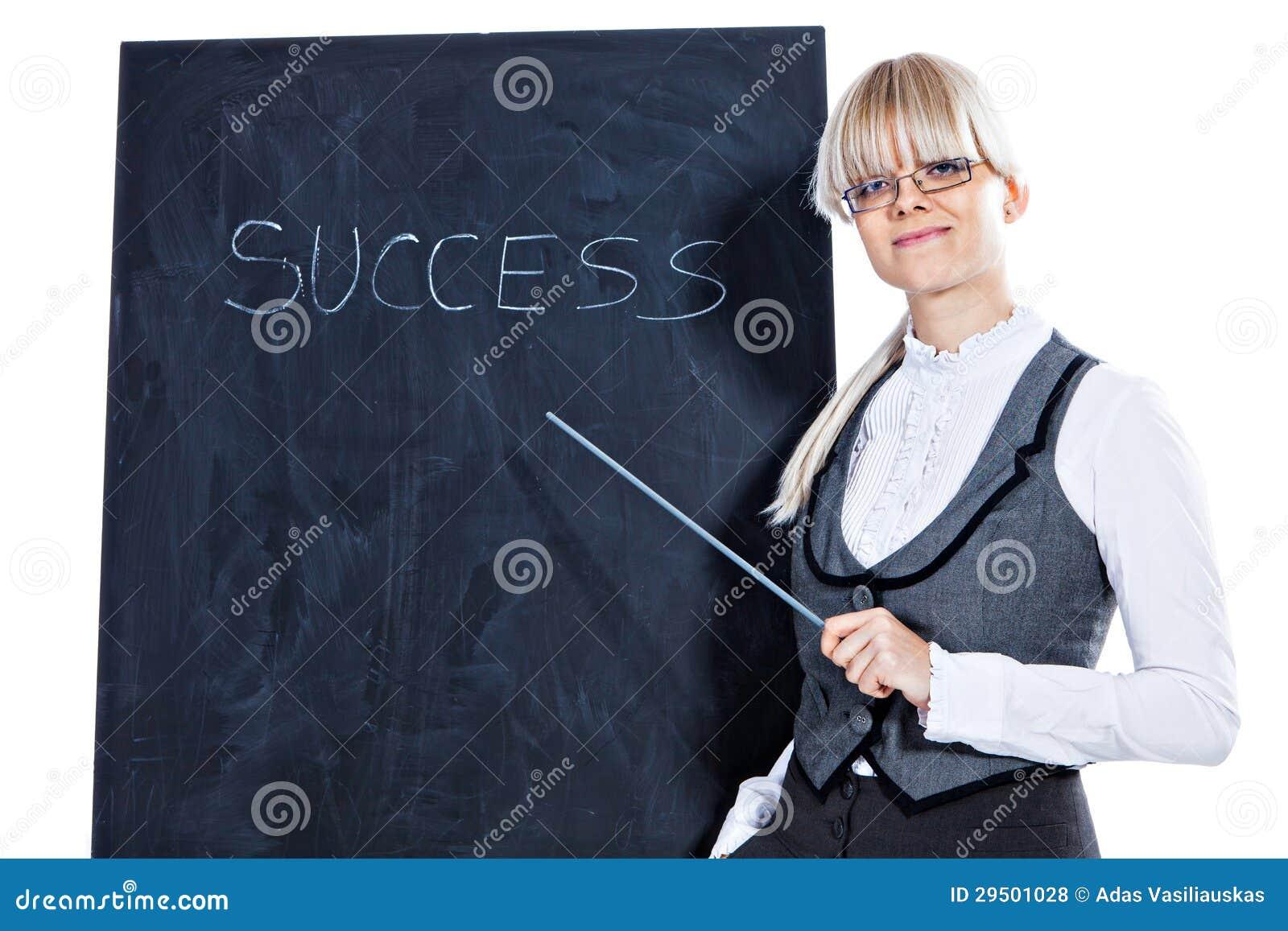 Bedrijfs vrouw met schoolbord