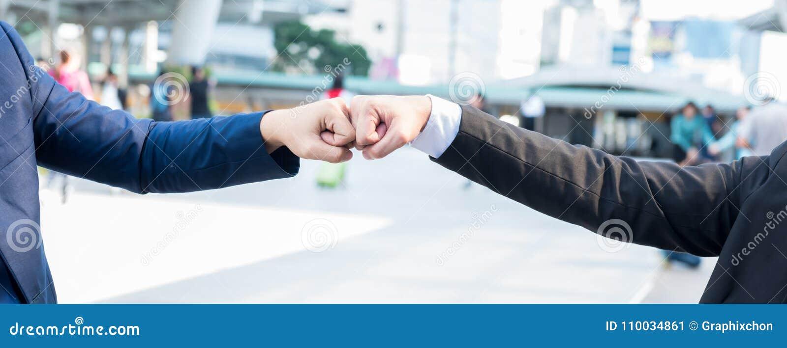 Bedrijfshanddruk en groepswerk