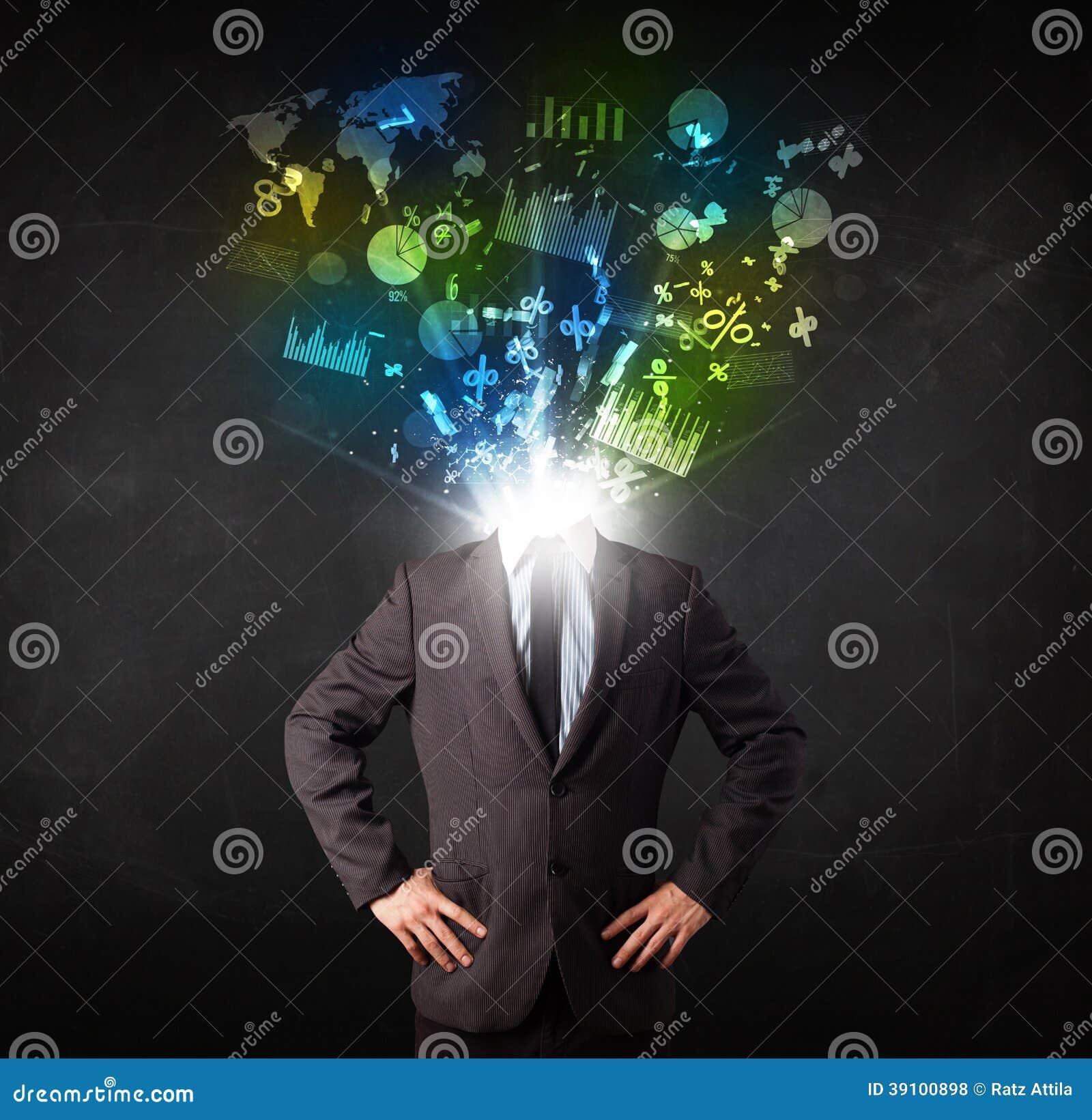 Bedrijfsmens in kostuum met grafiek en grafieken