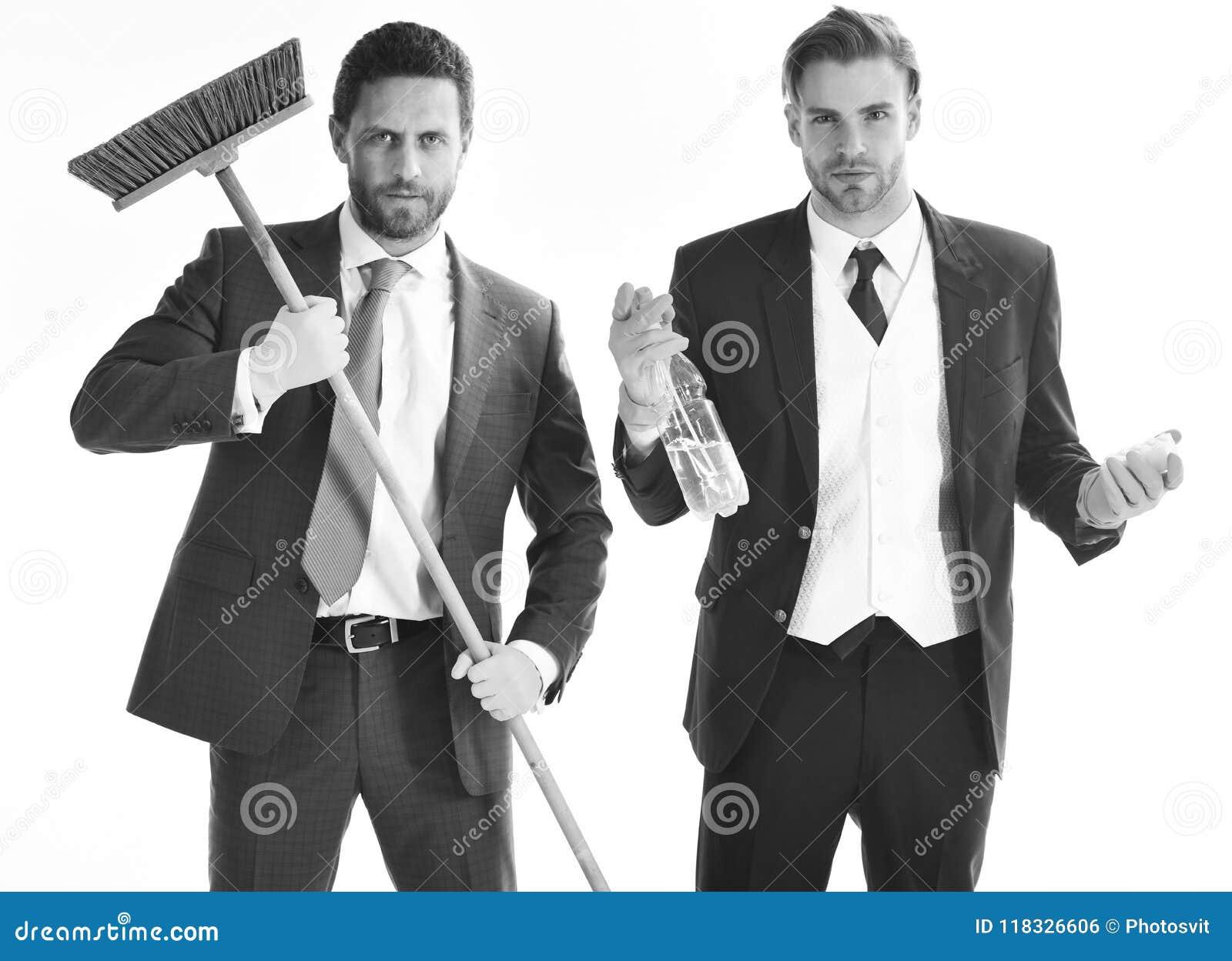 Bedrijfsmensen met baarden en zwabber