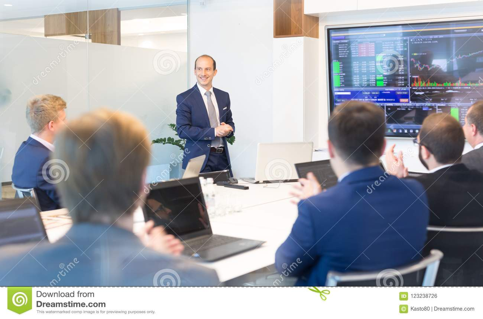Bedrijfspresentatie op collectieve vergadering Collectief bedrijfsconcept