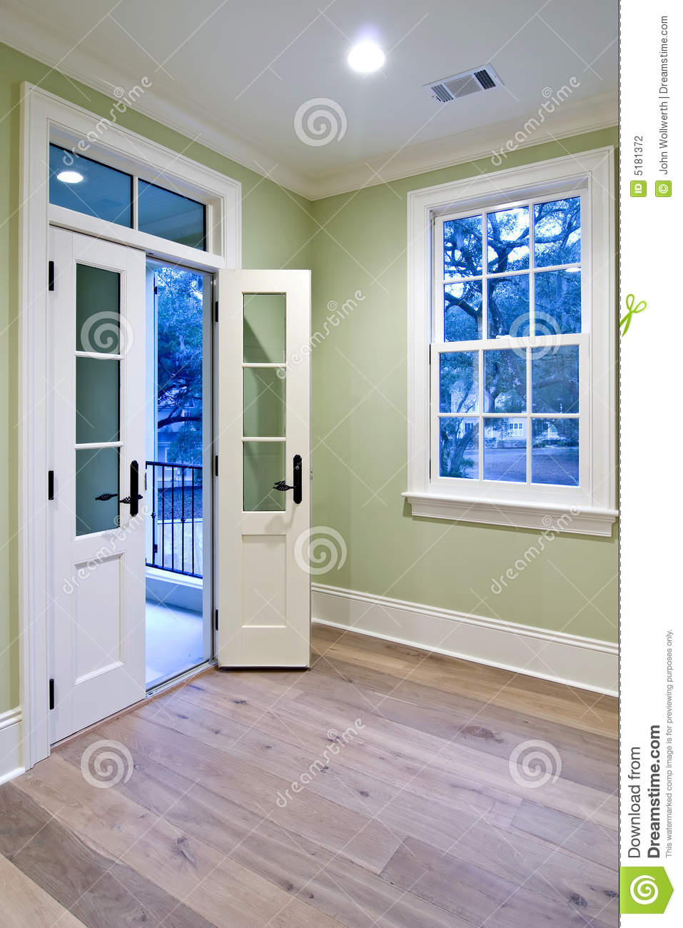 bedroom with double doors stock photography image 5181372