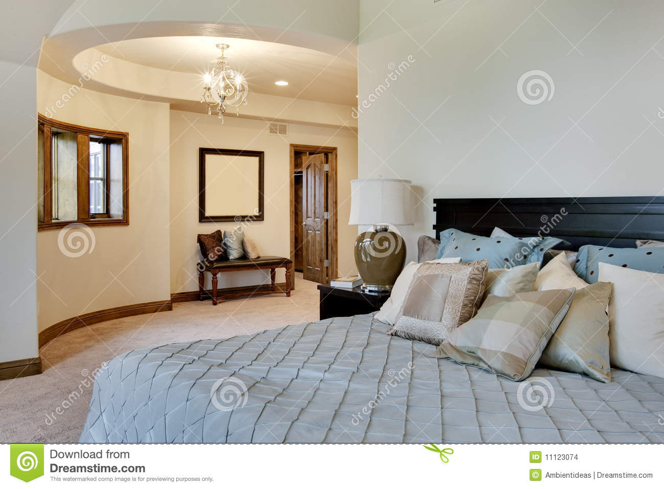 bedroom and hallway stock images image 11123074