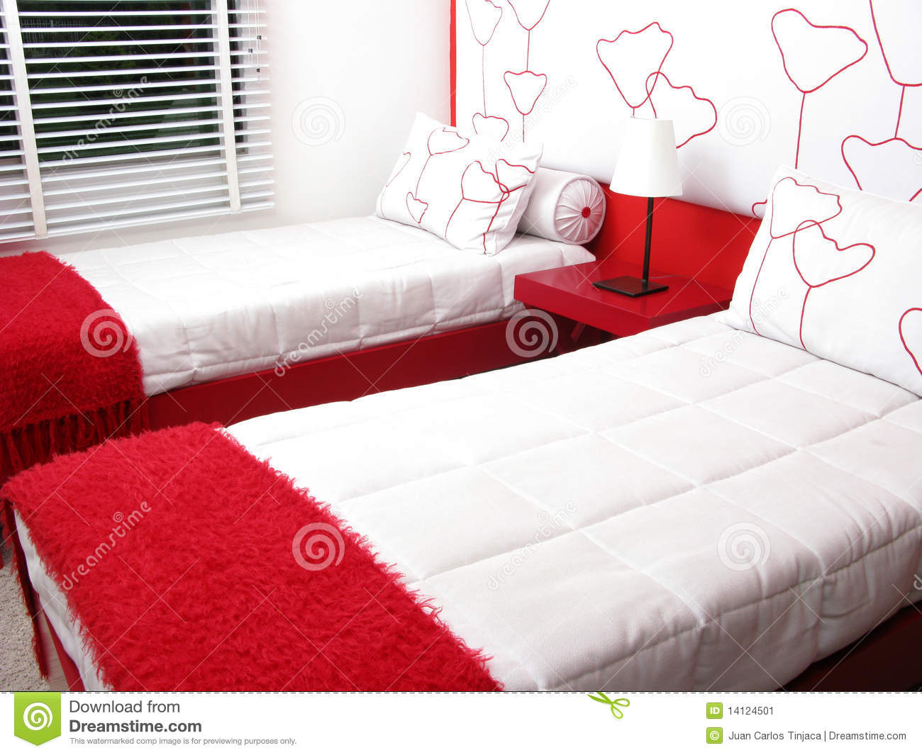 Quality Seal Clipart Bedroom With Tw...
